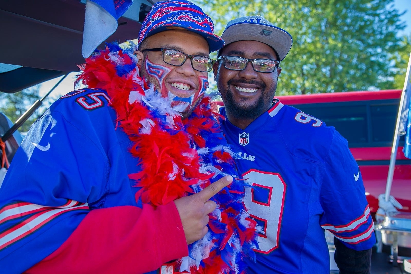 Smiles at the Bills vs Cardinals Tailgate