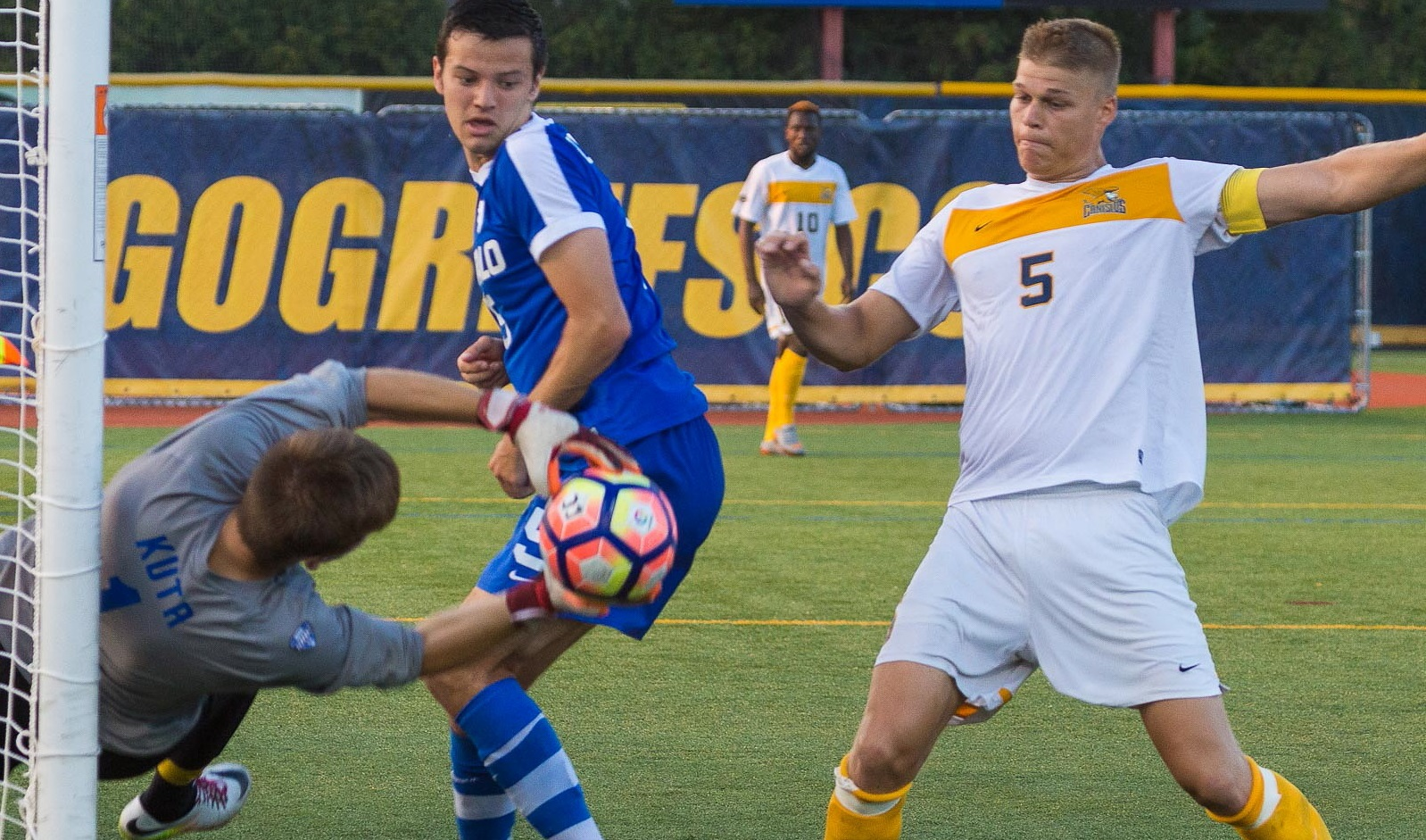 Canisius men's primer: Fitter Teupen to anchor powerful back