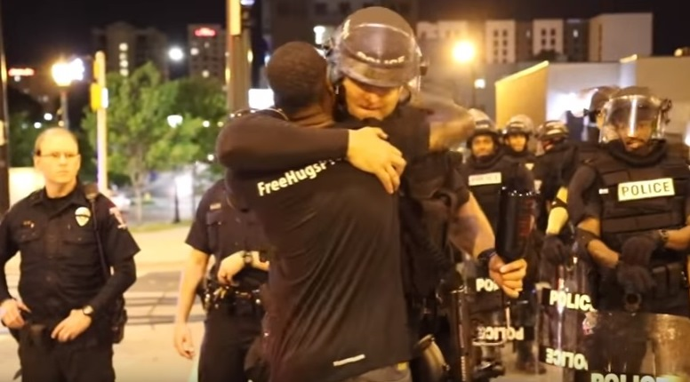Police officer in viral video from Charlotte is from Hamburg