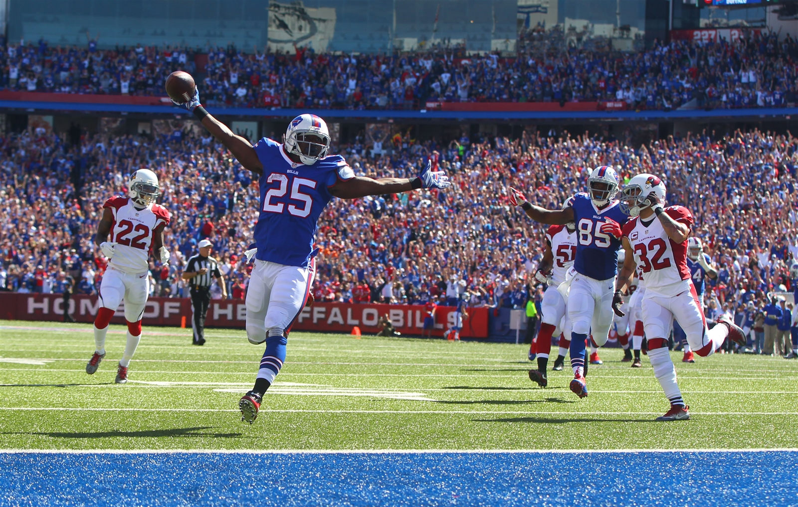 LeSean McCoy celebrates his first-quarter touchdown. (Mark Mulville/Buffalo News)
