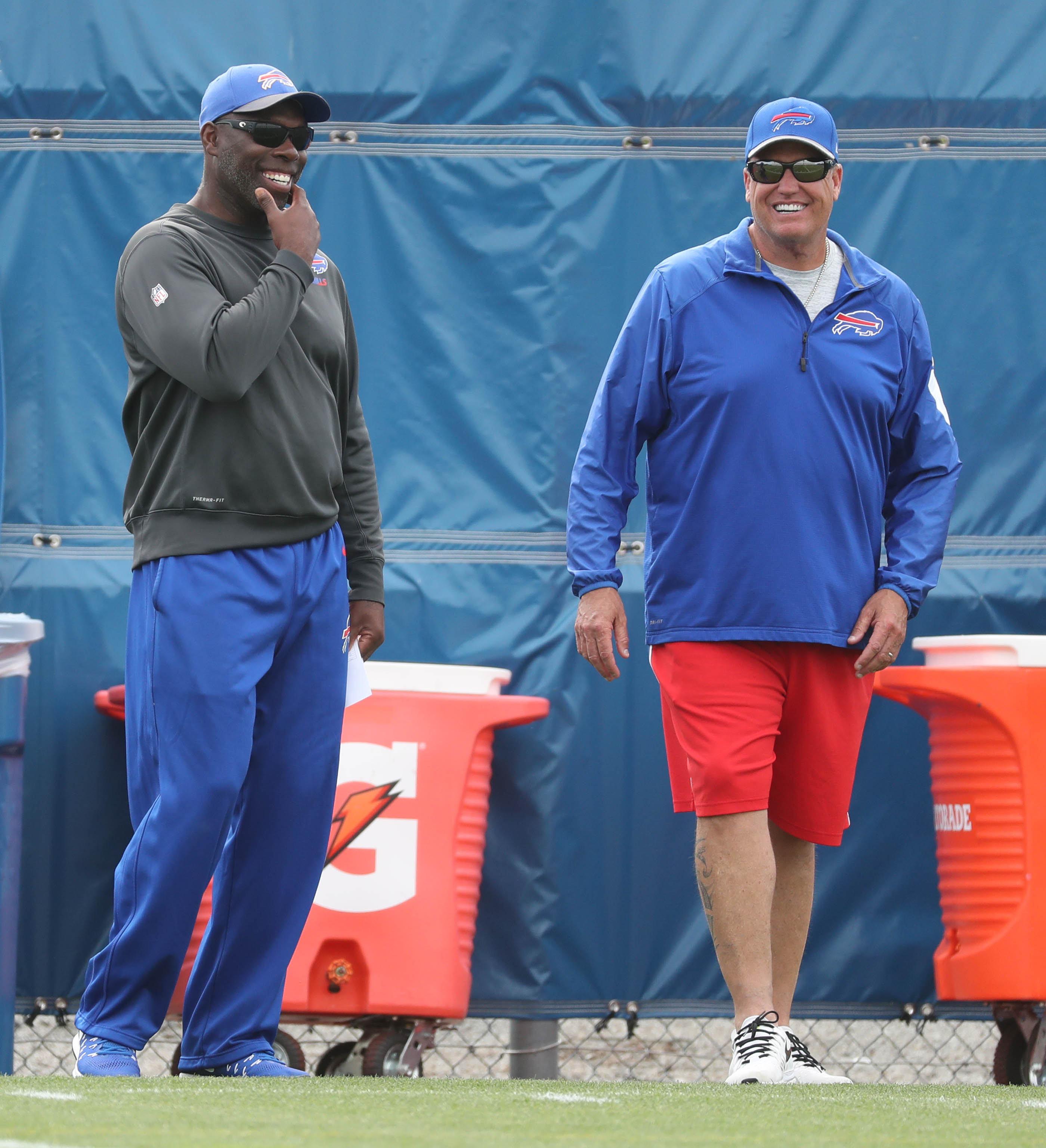 Bills coach Rex Ryan and offensive coordinator Anthony Lynn are riding a four-game win streak. (James P. McCoy/ Buffalo News)