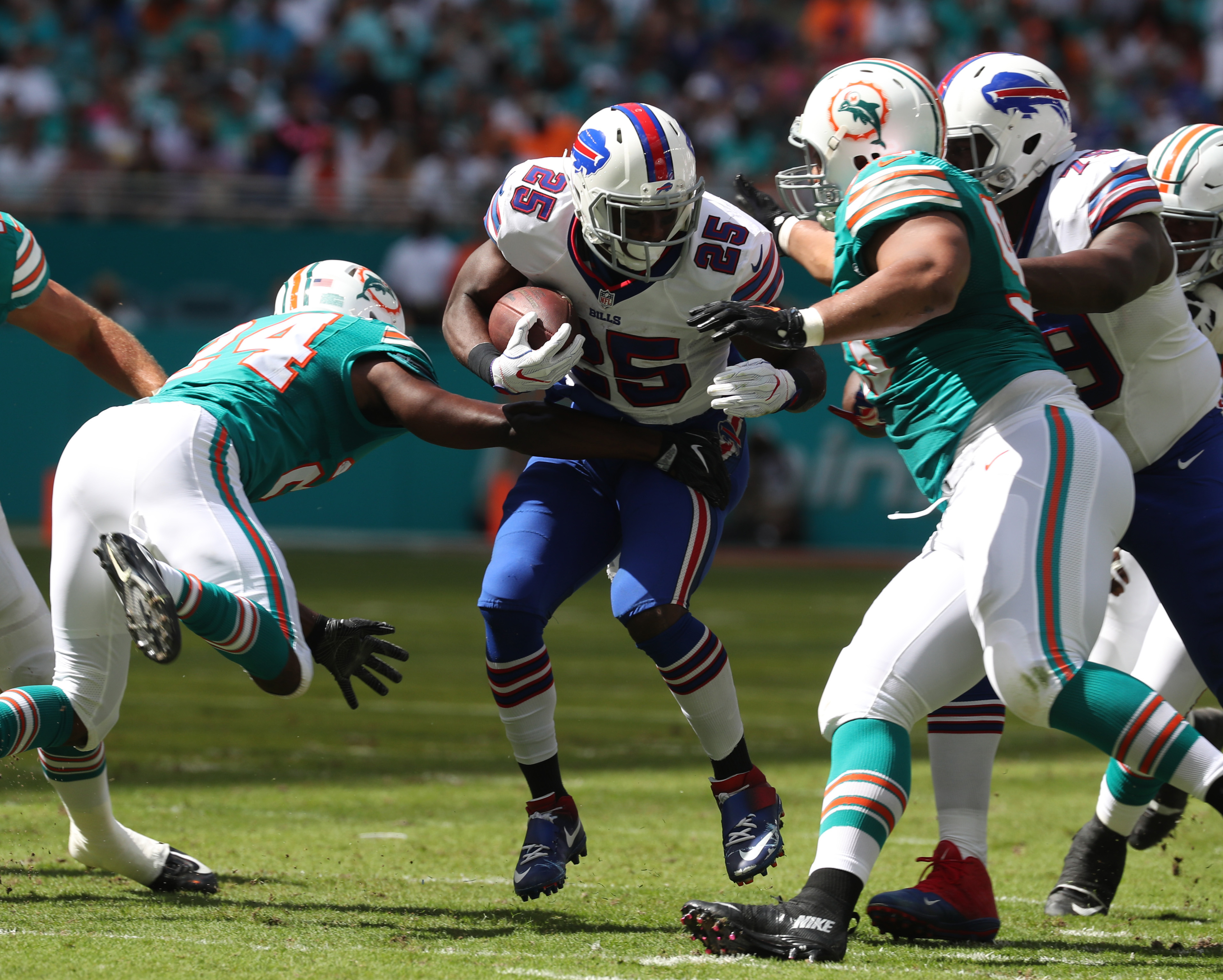 Bills running back LeSean McCoy struggled to find any space against the Dolphins in Week Seven. (James P. McCoy/Buffalo News)