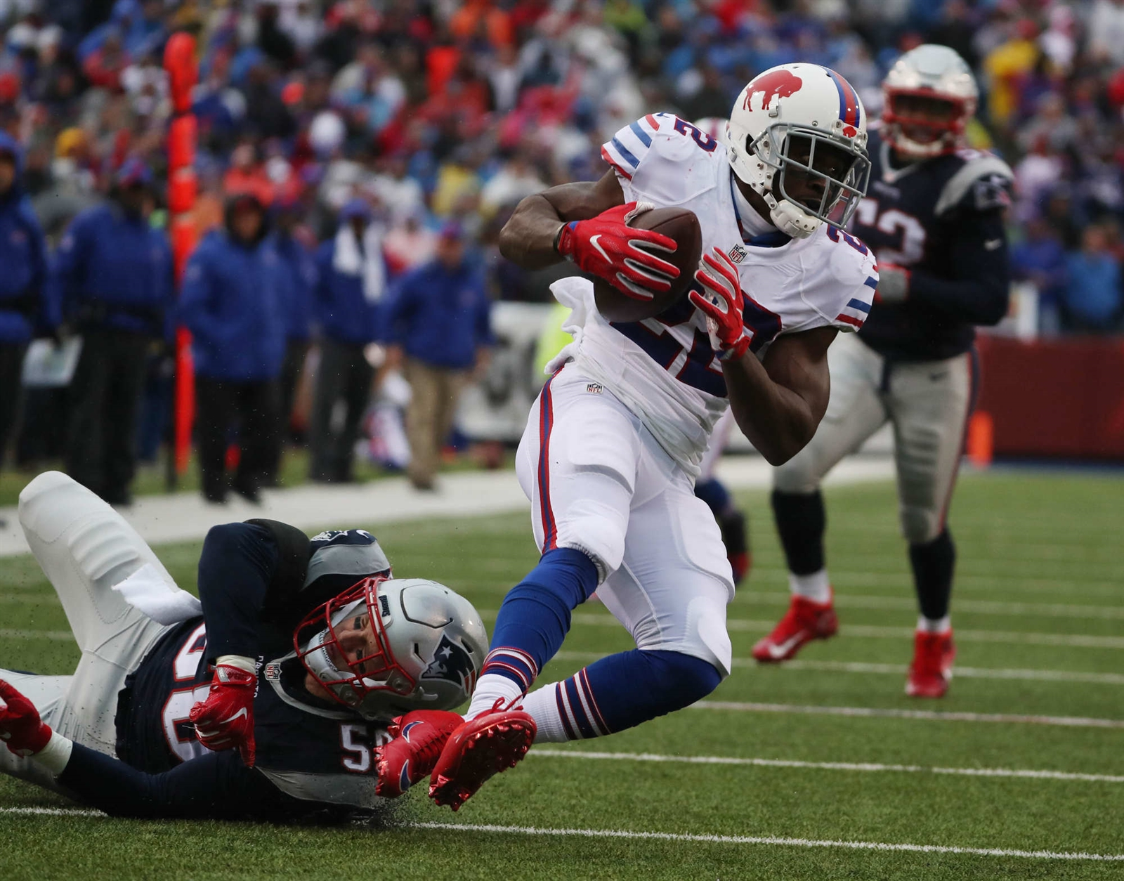 Reggie Bush and the Buffalo Bills had a tough day against New England in Week Eight. (James P. McCoy/Buffalo News)