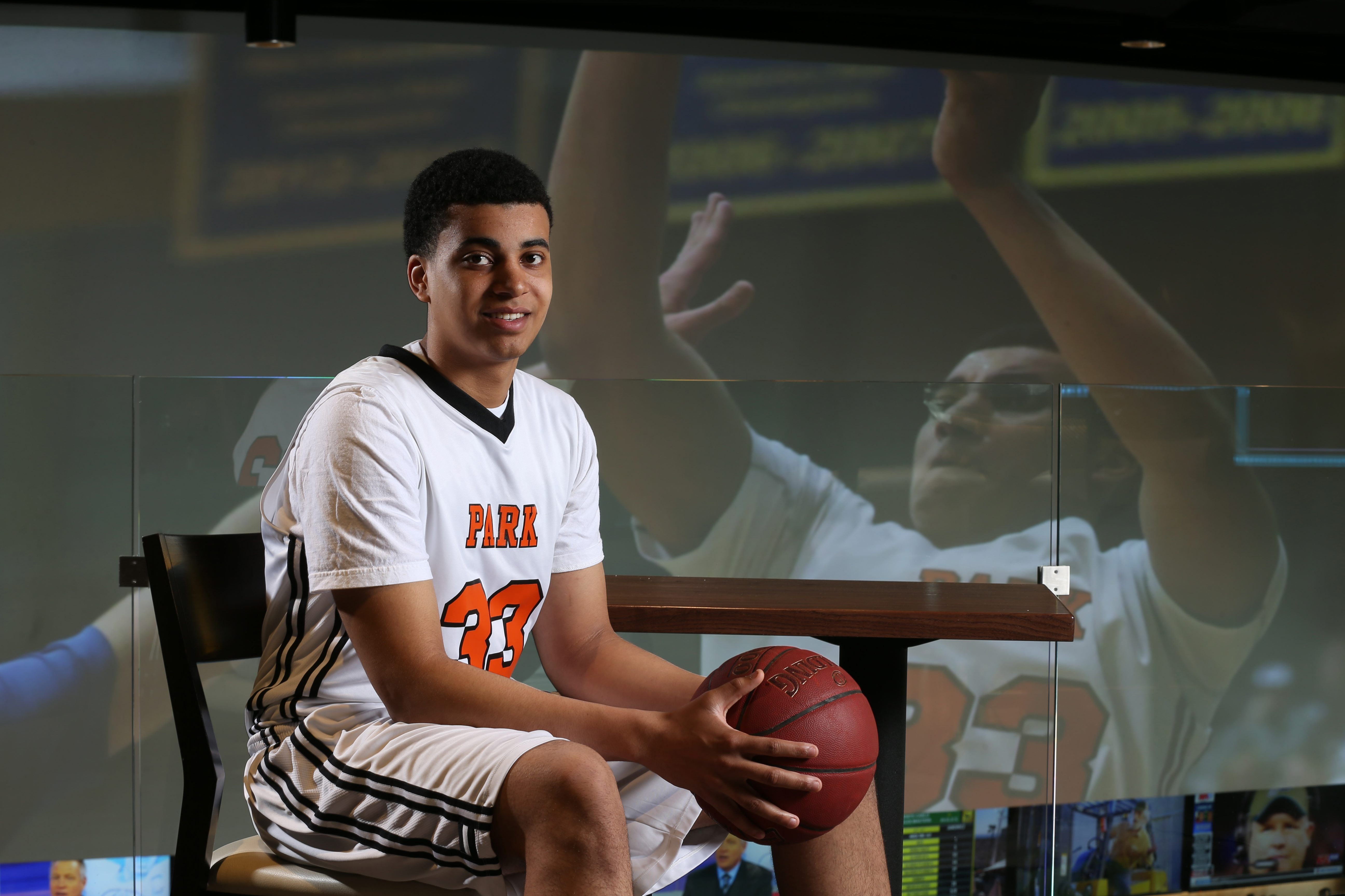 Jordan Nwora  has verbally commited to play at Louisville. The Park School product is a two-time All-Western New York first-team selection. (James P. McCoy/Buffalo News)