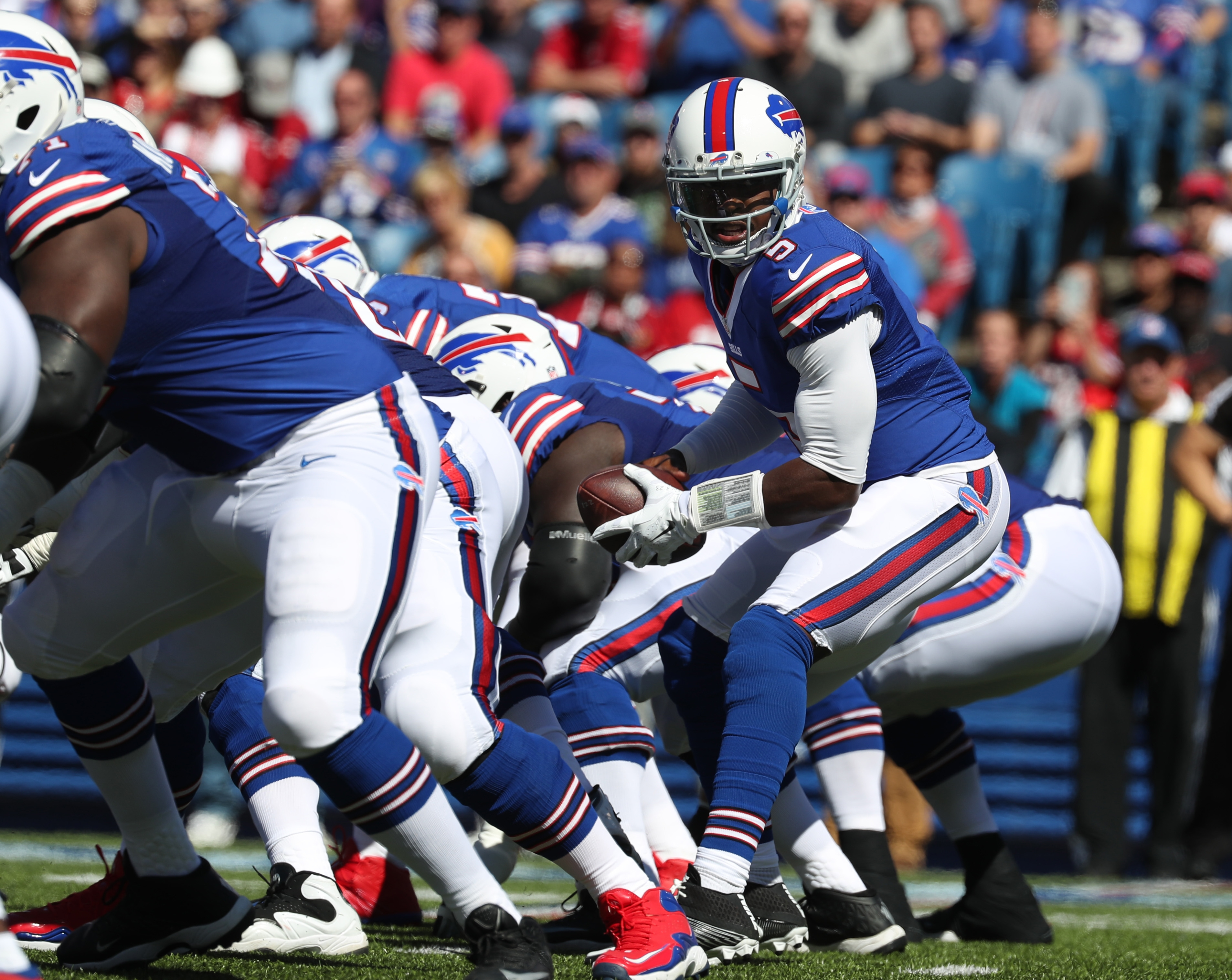 Buffalo Bills quarterback Tyrod Taylor takes a snap in the first quarter against the Arizona Cardinals at New Era Field in Orchard Park, N.Y. on Sunday, Sept. 25, 2016.  (James P. McCoy/ Buffalo News)