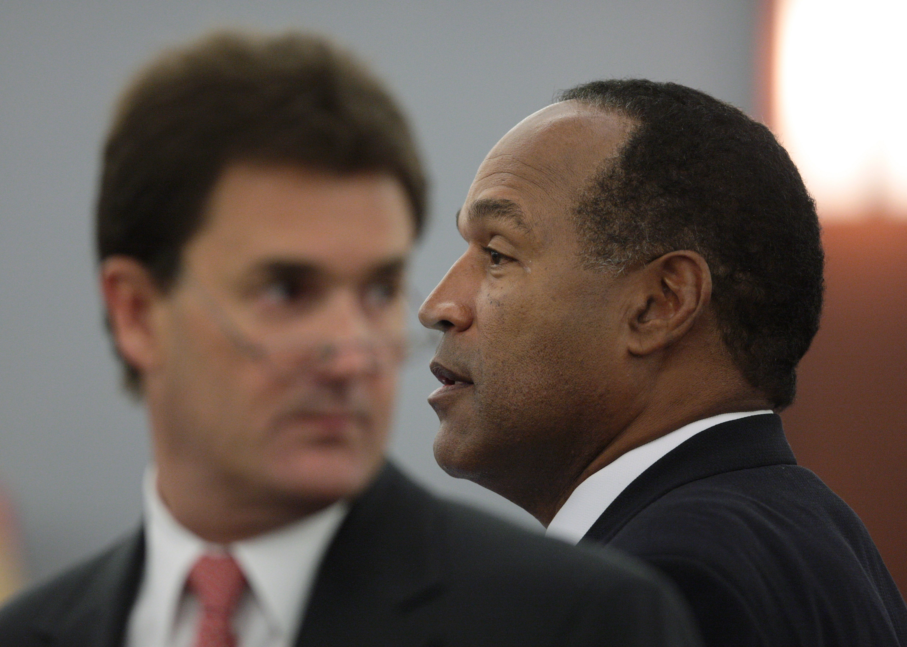 O.J. Simpson and his attorney Yale Galanter, here pictured in 2001. (Getty Images)