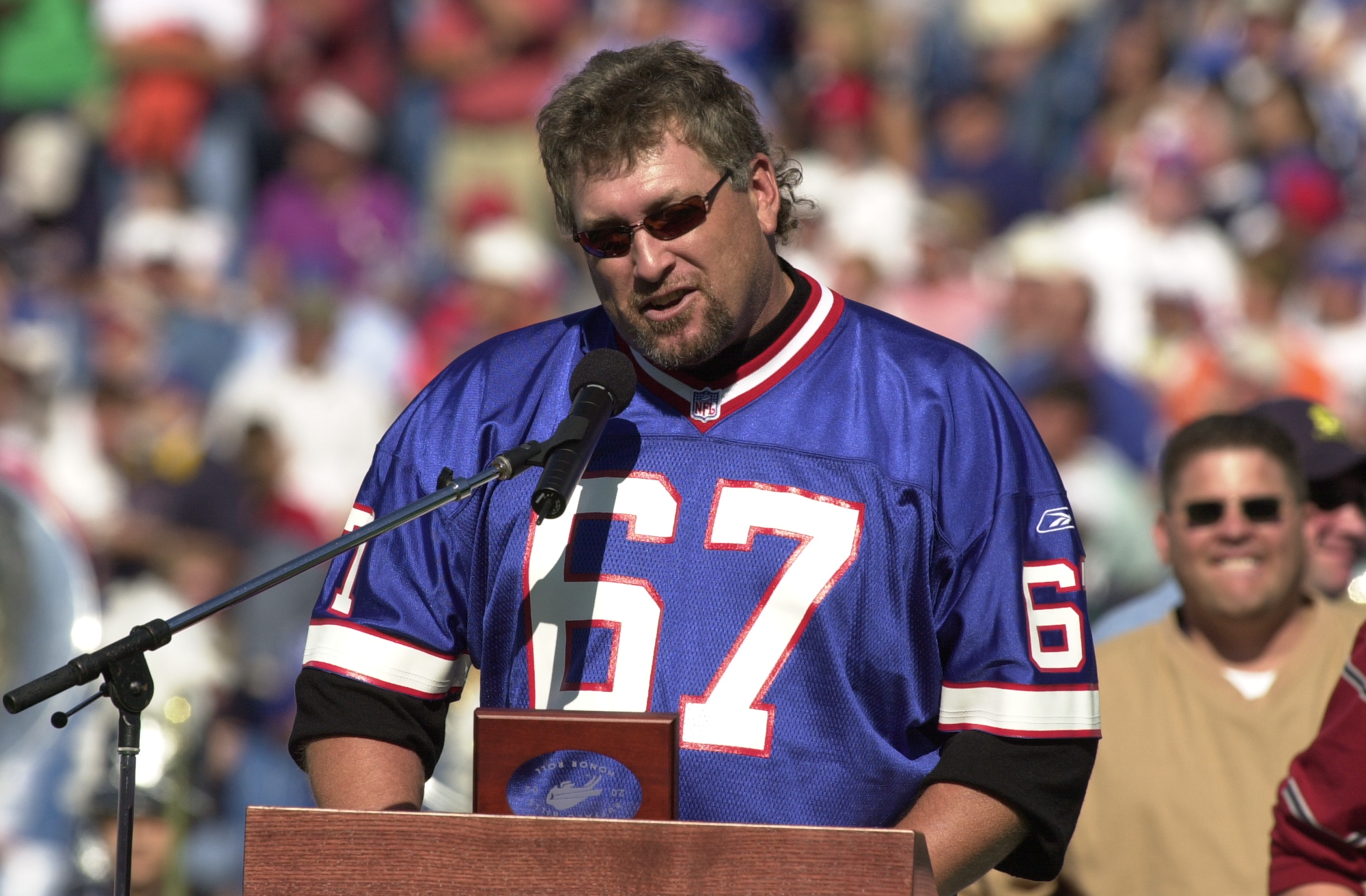 Kent Hull speaks during his Buffalo Bills Wall of Fame induction ceremony in 2002. (James P. McCoy/News file photo)