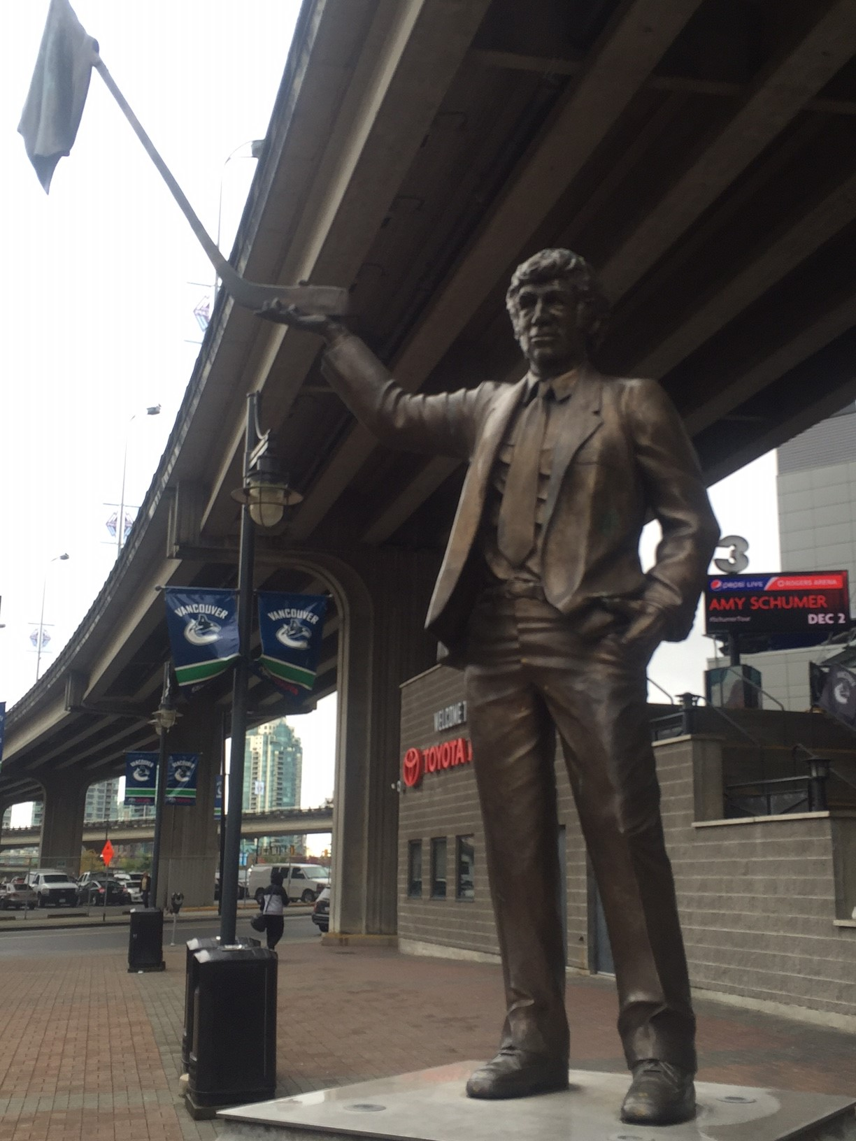"The Roger Neilson ""Towel Power"" statue in Vancouver (Mike Harrington/Buffalo News)"