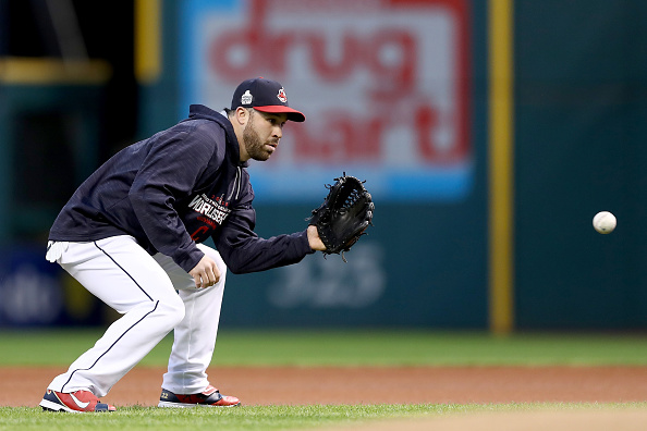 Indians second baseman Jason Kipnis takes grounders during Monday night's workout in Progressive Field (Getty Images).