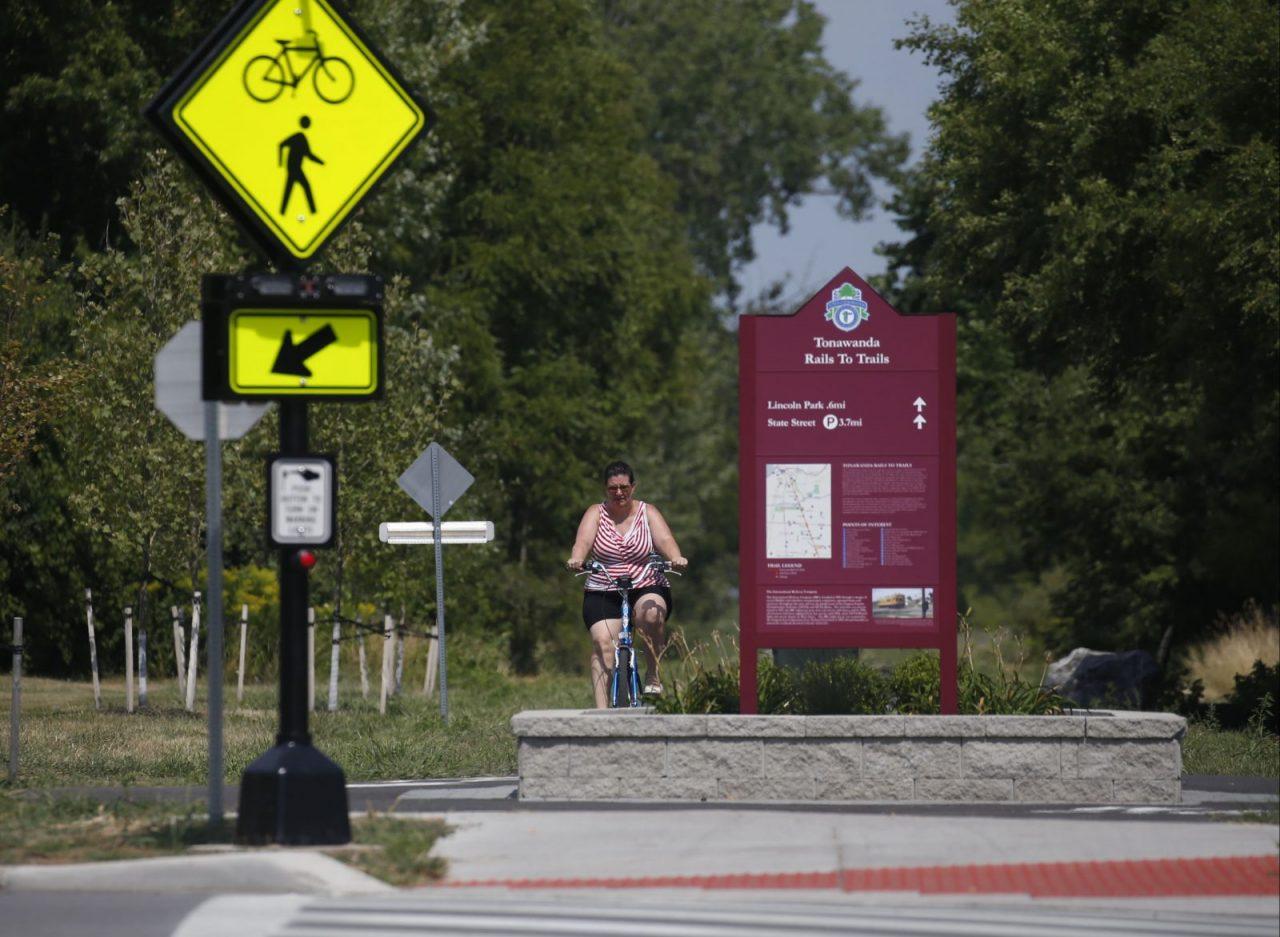 Tonawanda rejects bike path, parking ban on Englewood