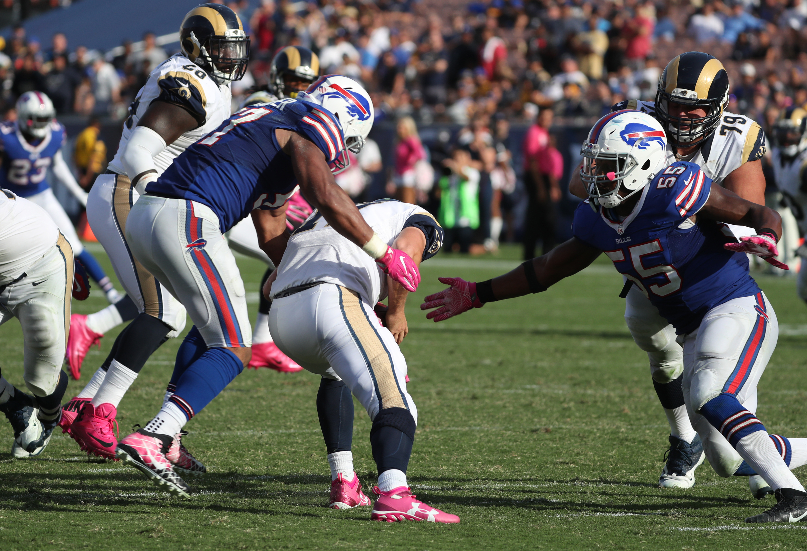 Lorenzo Alexander is having a career season on defense with the Bills (James P. McCoy/Buffalo News)