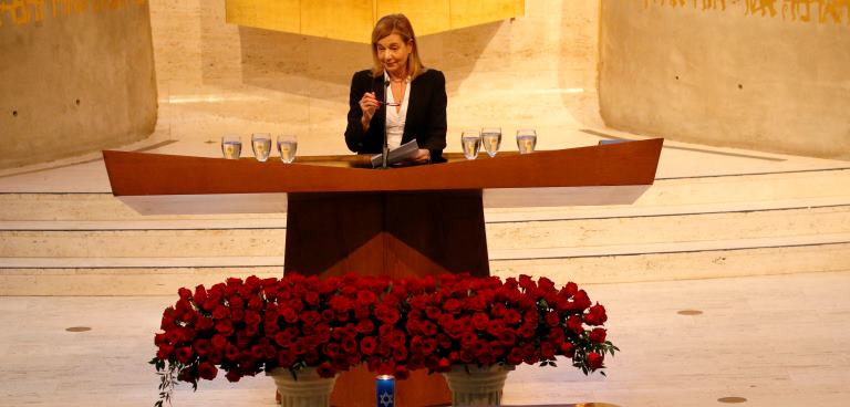 Former Buffalo News Editor Margaret Sullivan speaks during the funeral services for Stanford Lipsey, long-time publisher of The Buffalo News, at Temple Beth Zion in Buffalo, Sunday, Nov. 6, 2016. (Derek Gee/Buffalo News)
