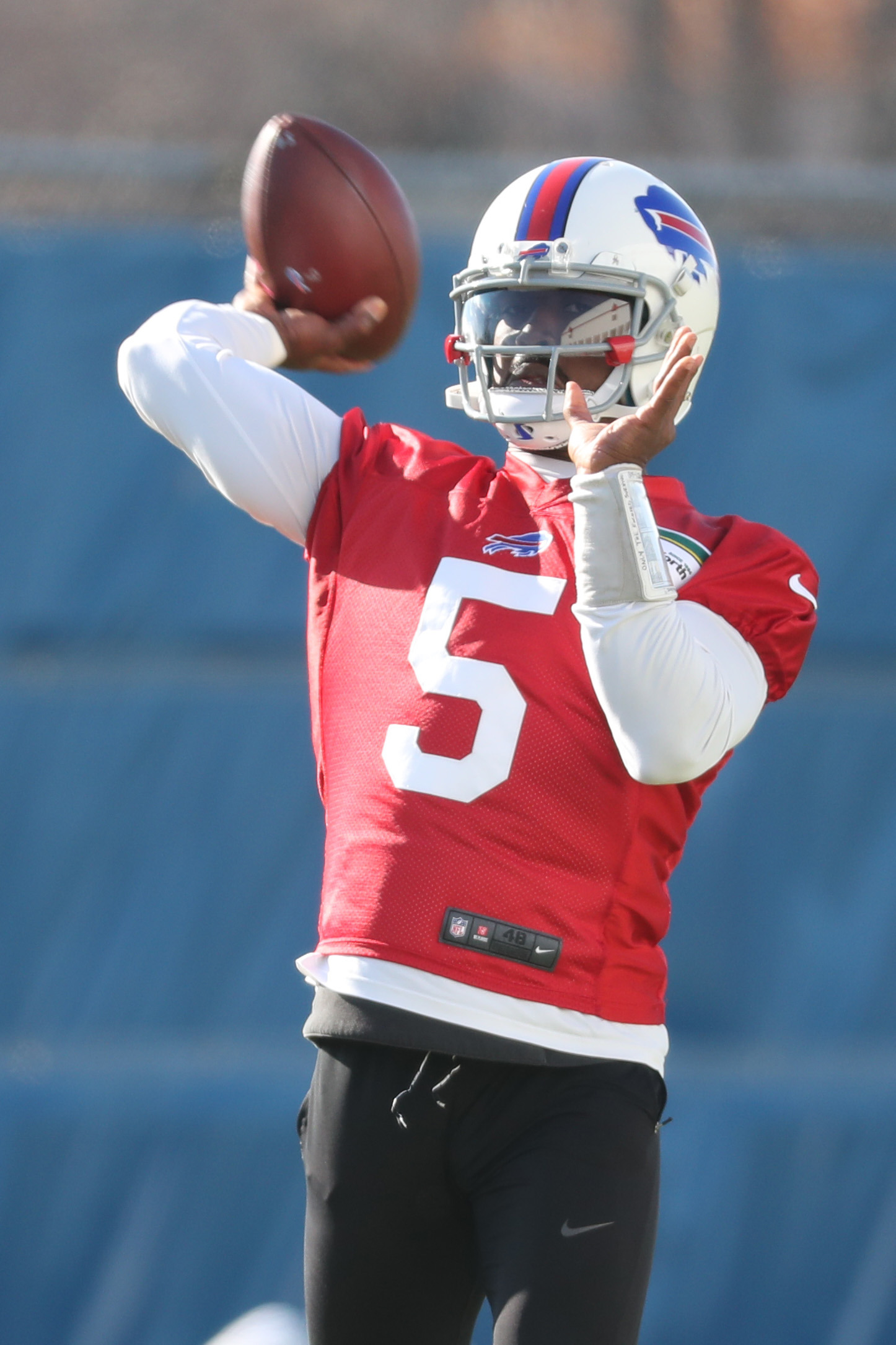 Buffalo Bills quarterback Tyrod Taylor (5) throws a pass during practice at ADPRO Sports Training Center in on Monday, Nov. 14, 2016.  (James P. McCoy/Buffalo News)
