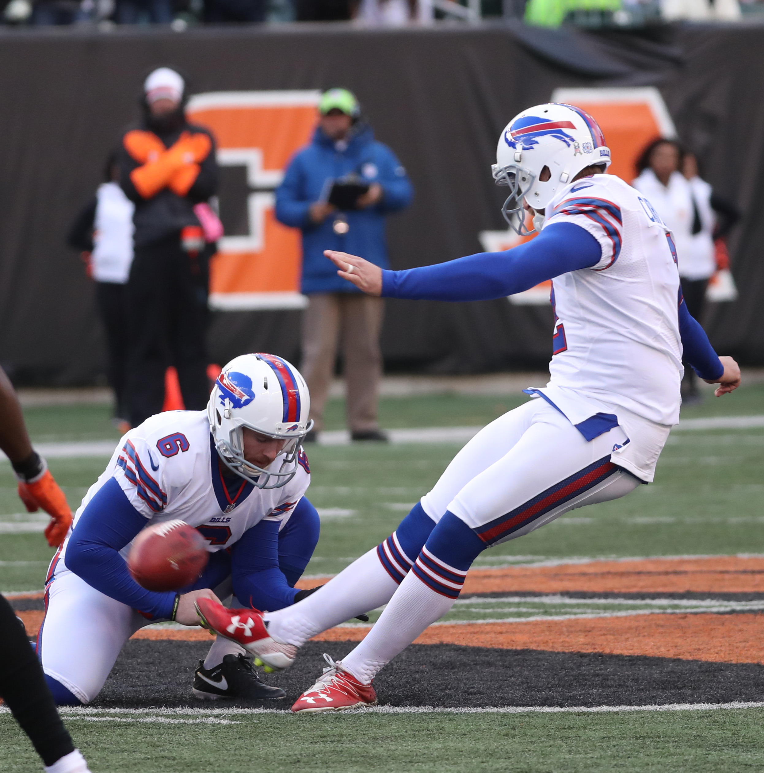 Buffalo Bills kicker Dan Carpenter (2) kicks a 54-yard field goal during the third quarter against the Bengals Sunday.  (James P. McCoy/Buffalo News)