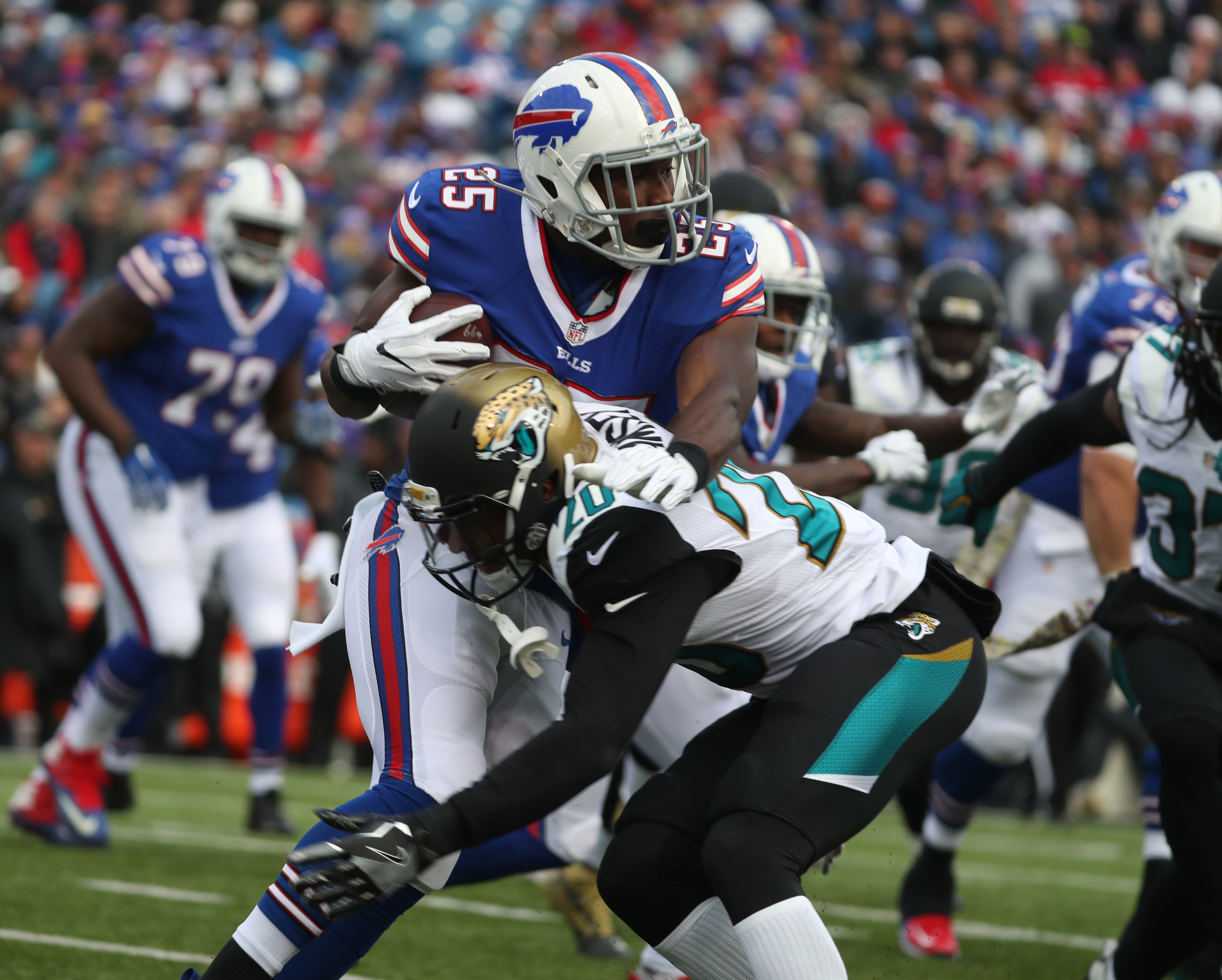 LeSean McCoy and the Buffalo Bills have the fifth-ranked red-zone offense in the NFL after Sunday's win over the Jaguars. (James P. McCoy/Buffalo News)