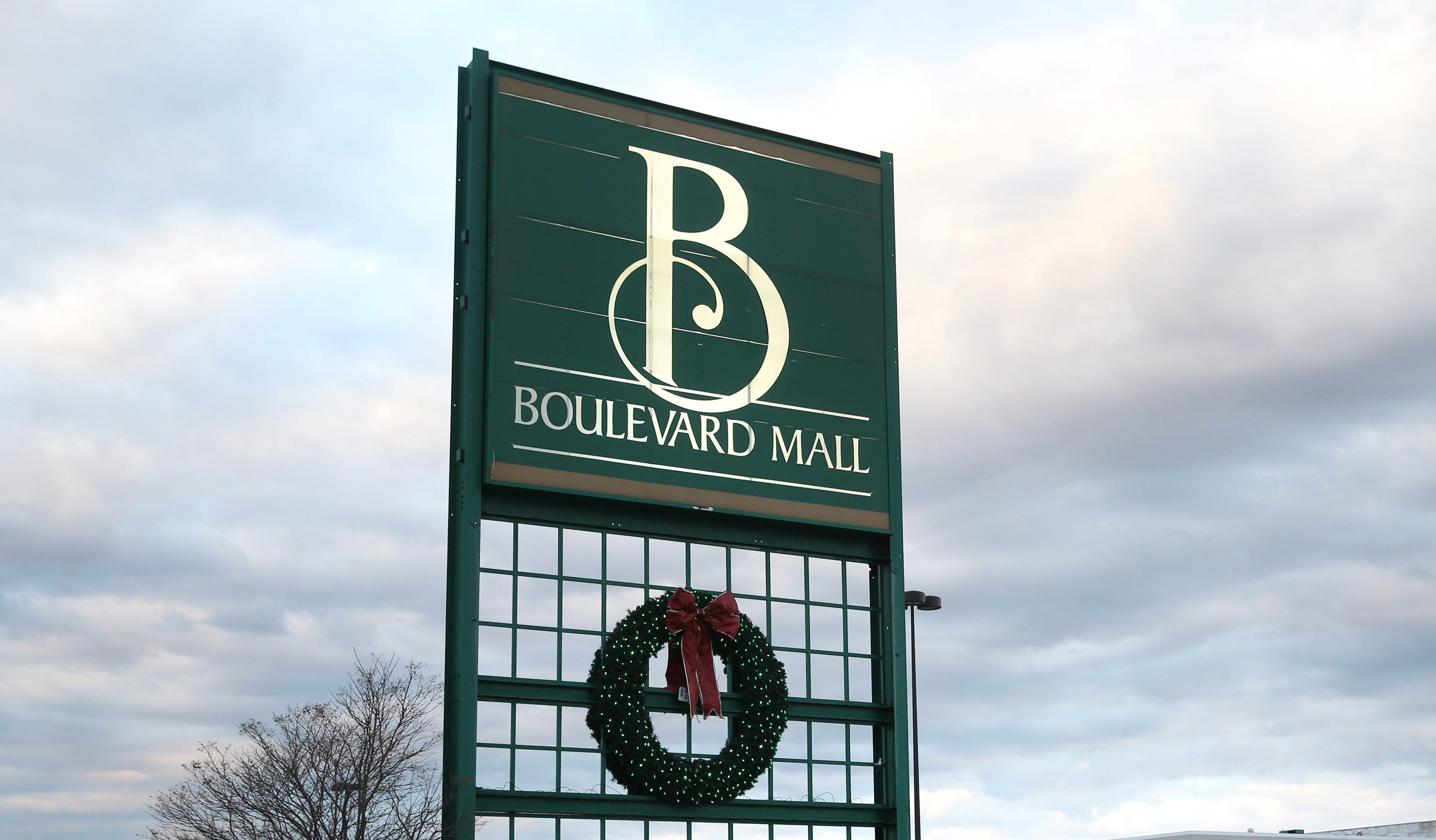 Boulevard Mall. (Sharon Cantillon/Buffalo News)