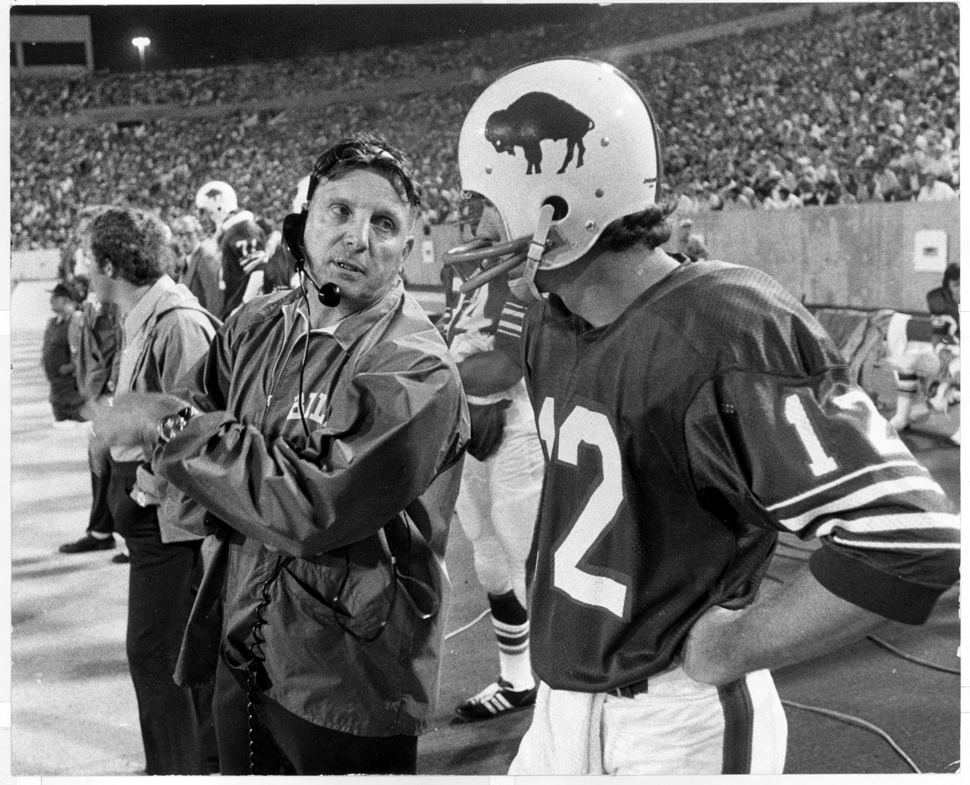 Bills coach Lou Saban talks with quarterback Joe Ferguson in 1973. (Buffalo News file photo)