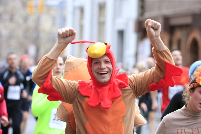 Runners were pretty warm last year at the 120th Annual YMCA Turkey Trot. Last Thanksgiving, the daily high temperature reached 62 degrees. It was the warmest Thanksgiving Day since 1983. (Harry Scull Jr./Buffalo News)