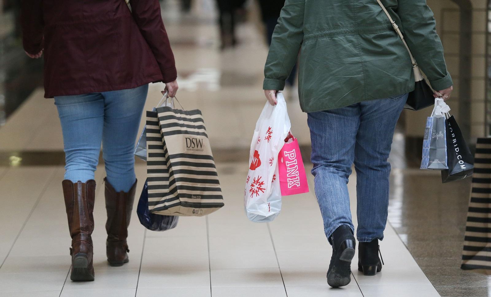 Walden Galleria will close early. (Sharon Cantillon/Buffalo News)