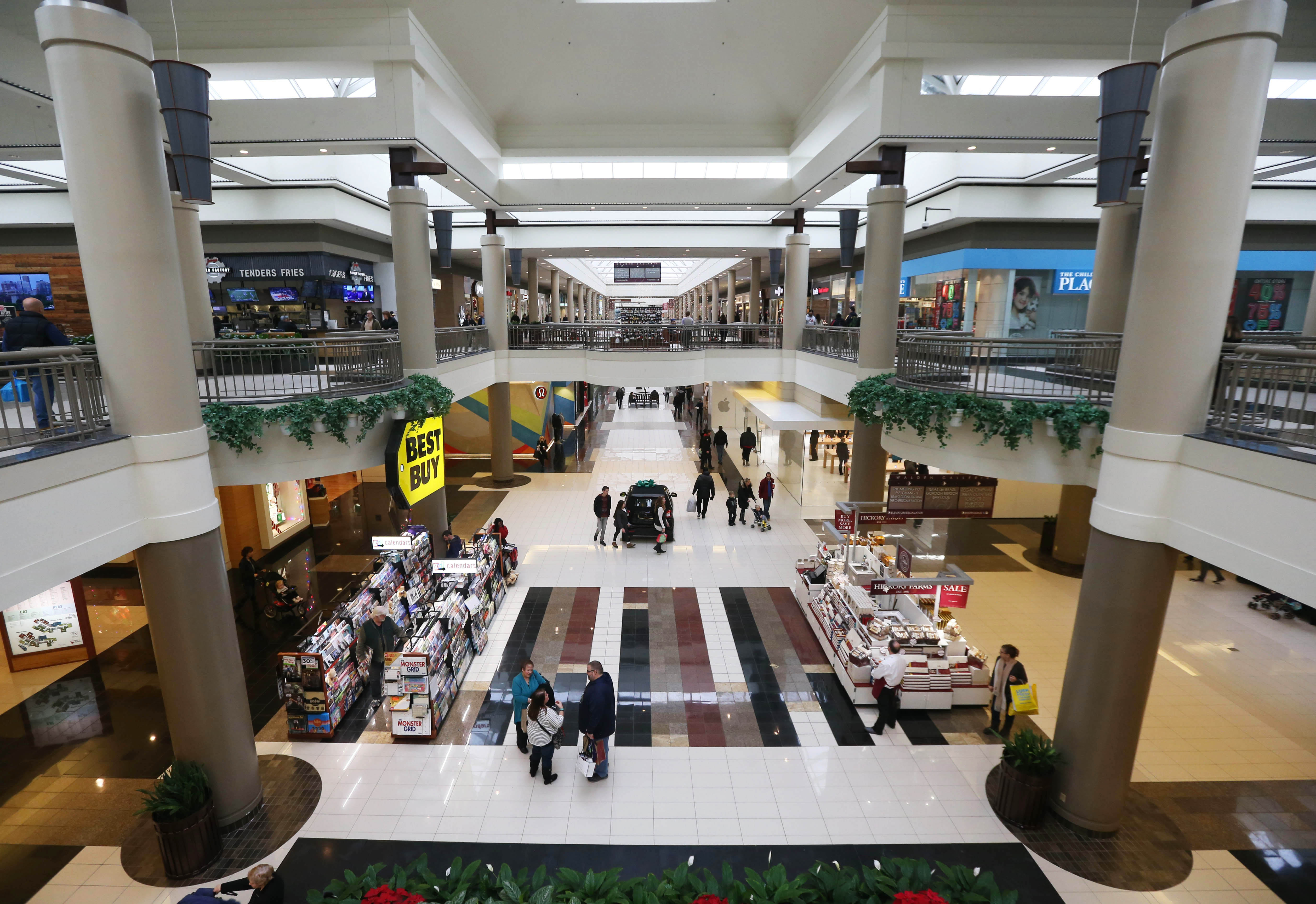 Expanded curfew may follow walden galleria 39 mall brawl for Jared the galleria of jewelry amherst ny