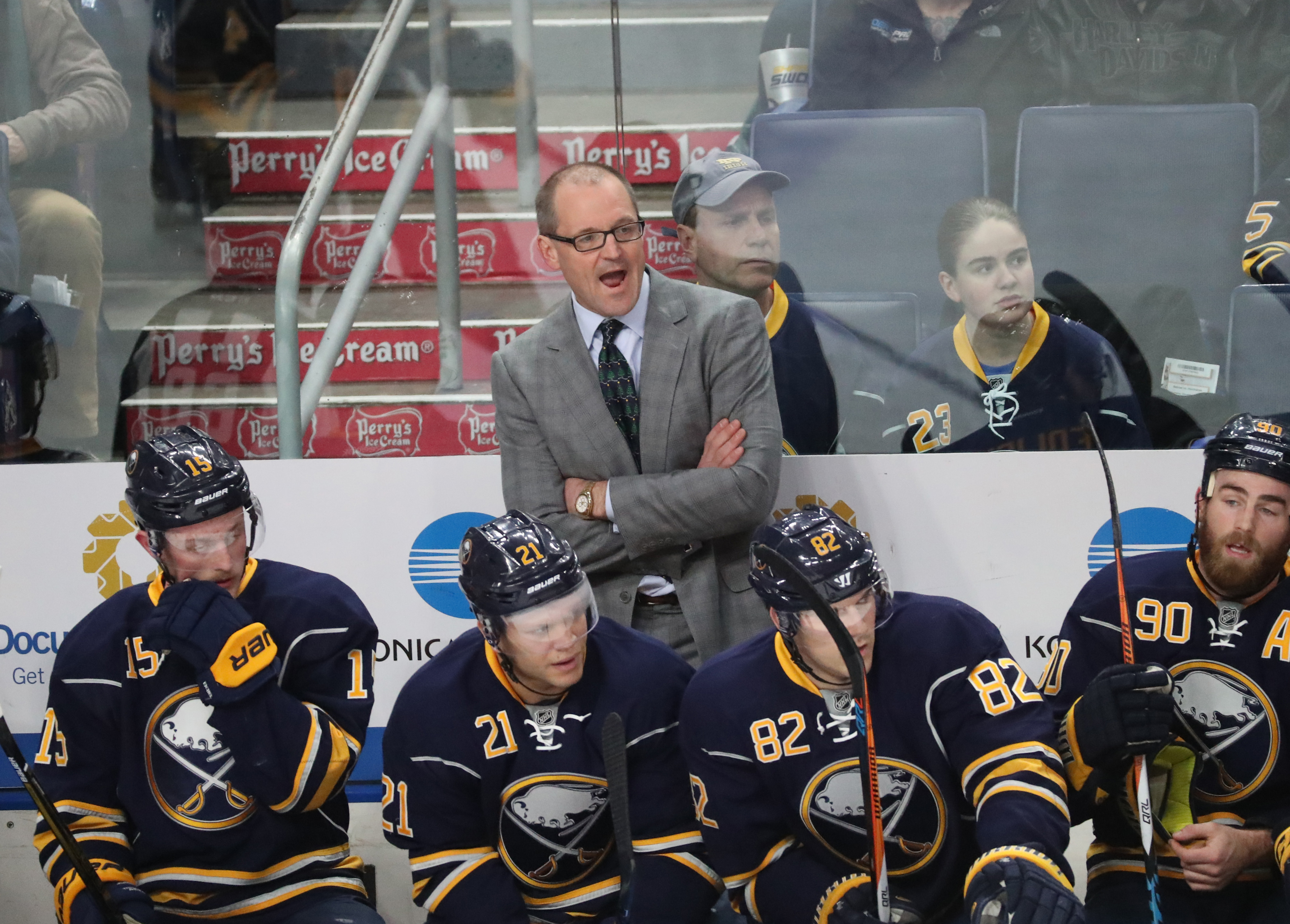 It was a frustrating night for Sabres coach Dan Bylsma Thursday in KeyBank Center (James P. McCoy/Buffalo News)