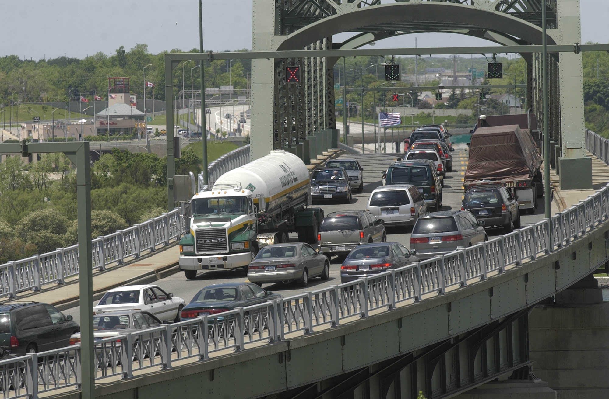 Traffic is backed up going into Canada on the Peace Bridge. (News file photo)