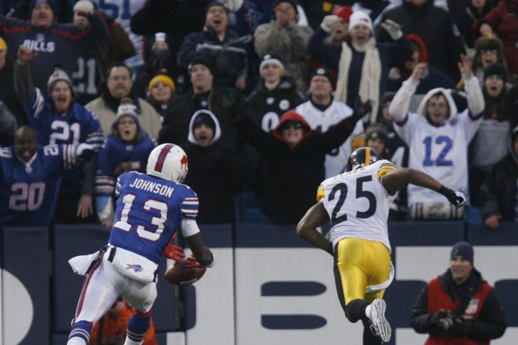 Stevie Johnson drops a potential touchdown pass in the end zone in overtime against the Pittsburgh Steelers on Nov. 28, 2010. (John Hickey/Buffalo News)