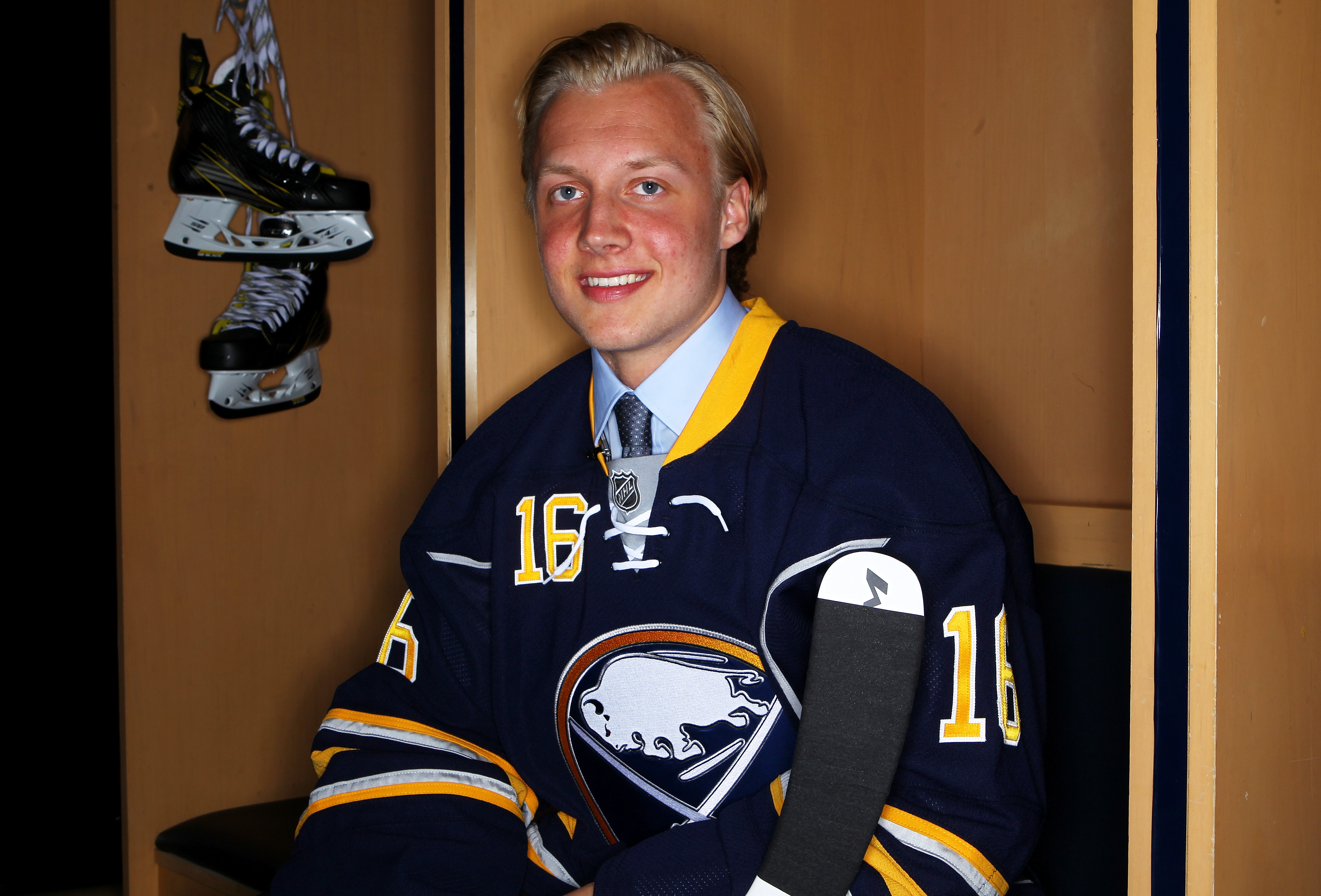 After competing against older men in the AHL, Alexander Nylander will skate against guys his own age. (Getty Images)