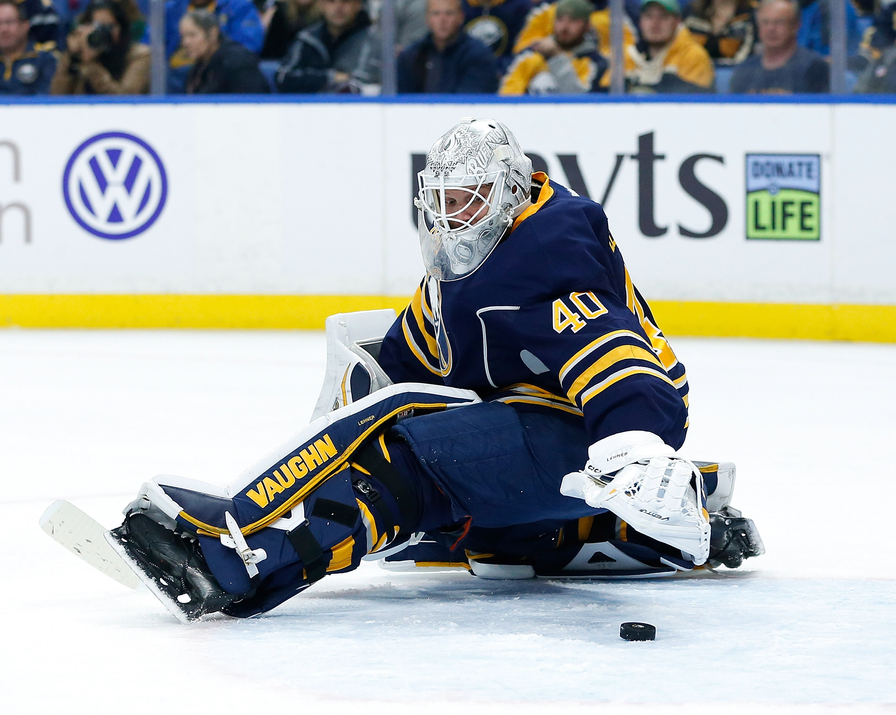 Victories have been just out of Robin Lehner's reach this season. (Getty Images)