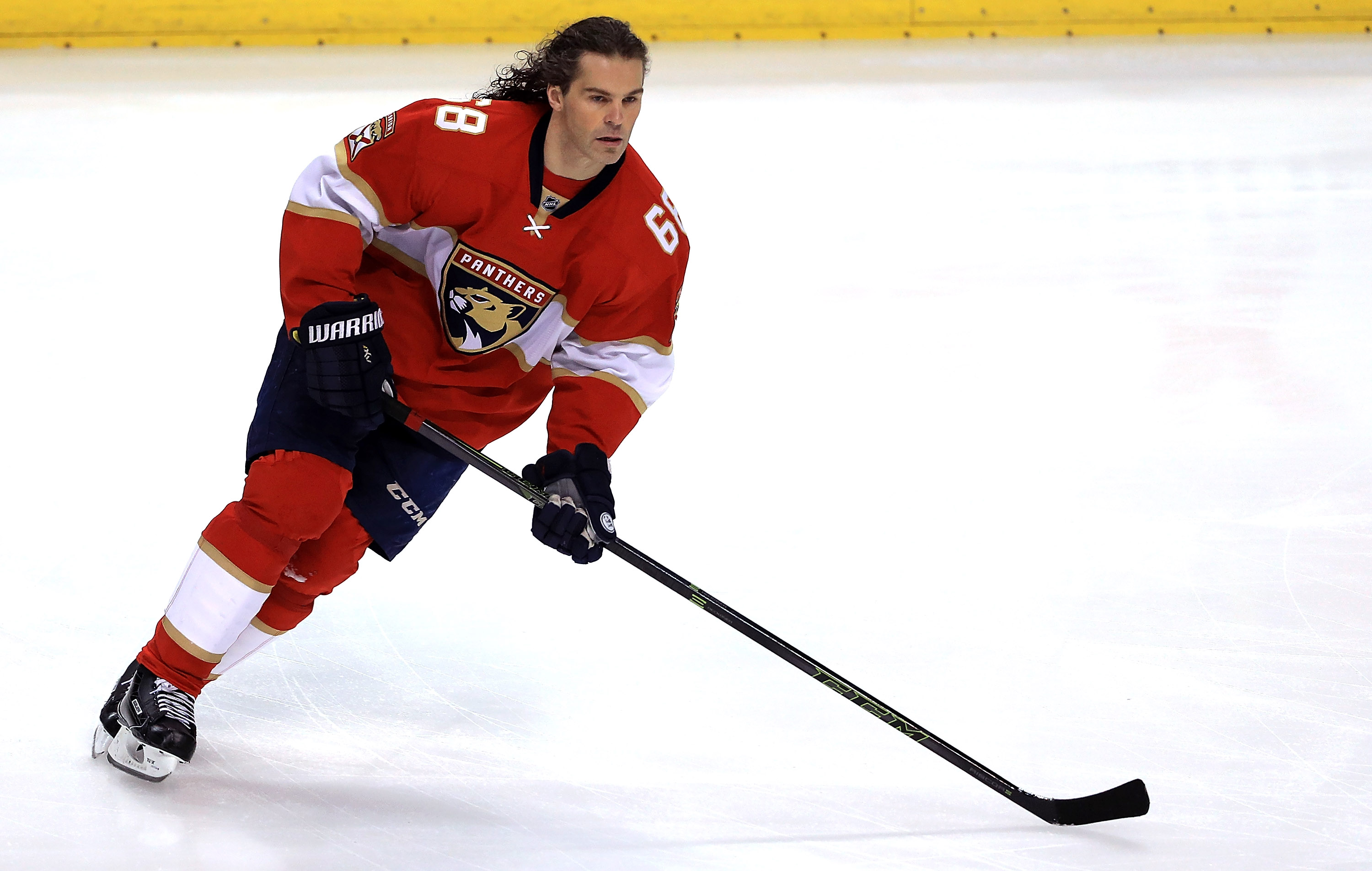 Florida's Jaromir Jagr continues to put up points against the Sabres. (Getty Images)