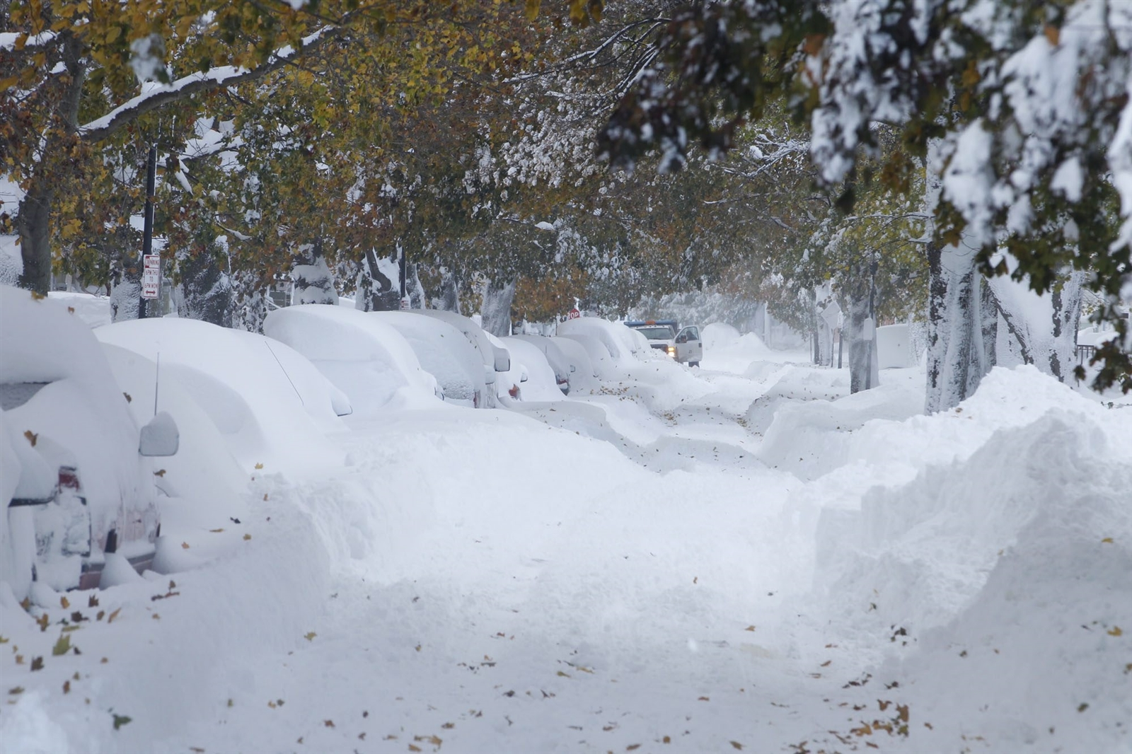 The mayor of Buffalo issued a driving ban in South Buffalo, because streets, like Heussy Avenue, were completely blocked. (John Hickey/Buffalo News)