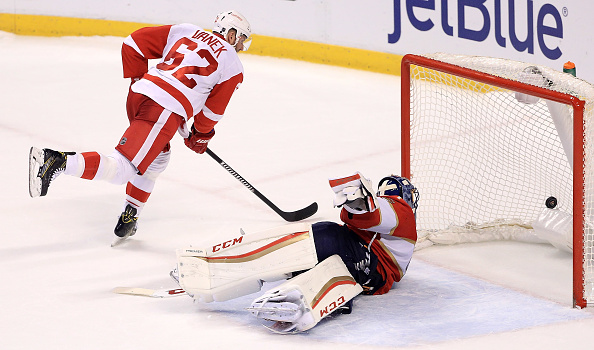 Thomas Vanek beats Florida goalie Roberto Luongo for one of Detroit's two shootout goals in its win Friday night. (Getty Images).