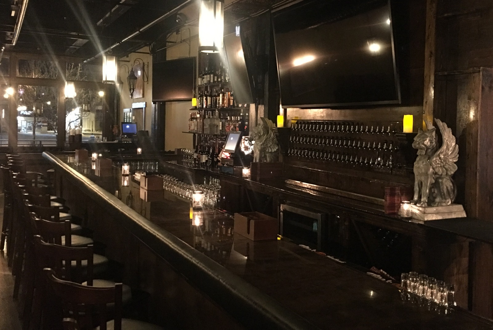 A new 40-foot bar will seat 25. (Photo: Griffon Gastropub)