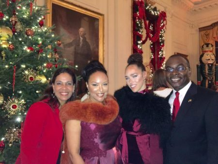 Michelle Brown, left, next to actress , and the acress's daughter,