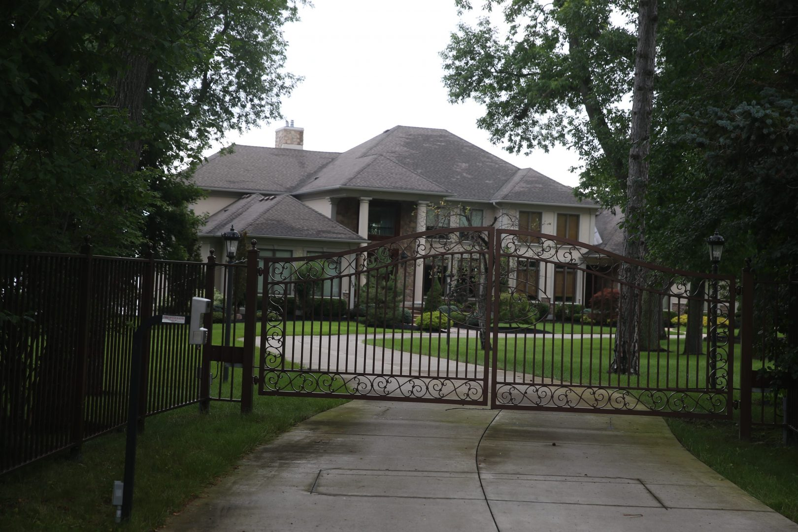 House formerly owned by Patrick Kane on Old Lake Shore Road in Lake  View. (John Hickey/News file photo)