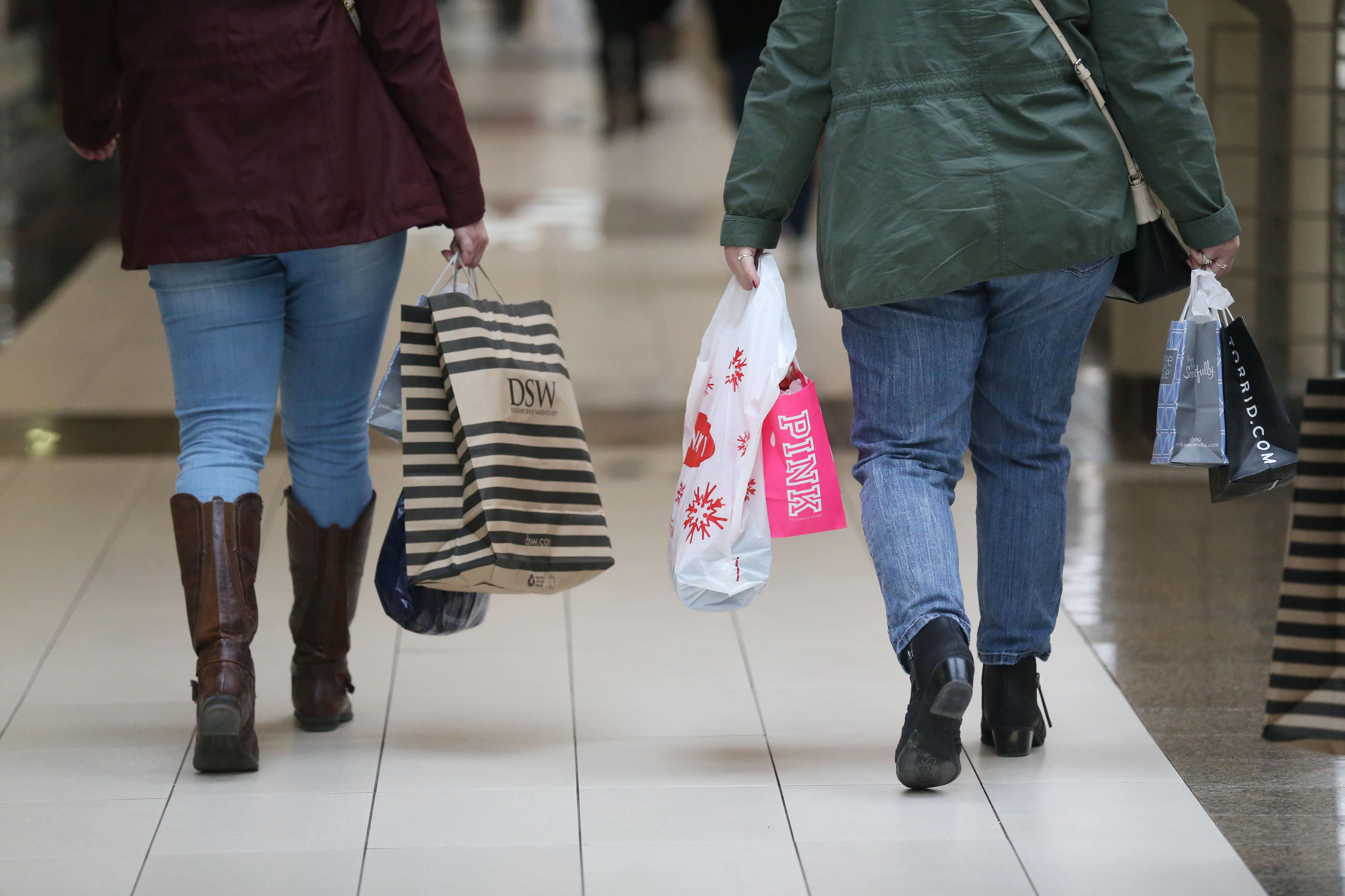 The final countdown to Christmas has sent many shoppers to the Walden Galleria in Cheektowaga. (Sharon Cantillon/Buffalo News)