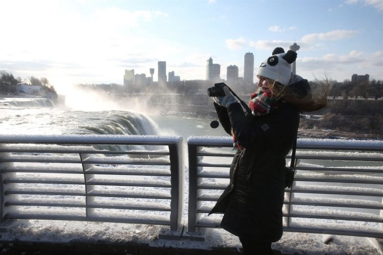 Below-freezing temperatures Friday will instantly chill the rising mist from Niagara Falls. (Sharon Cantillon/Buffalo News file photo)