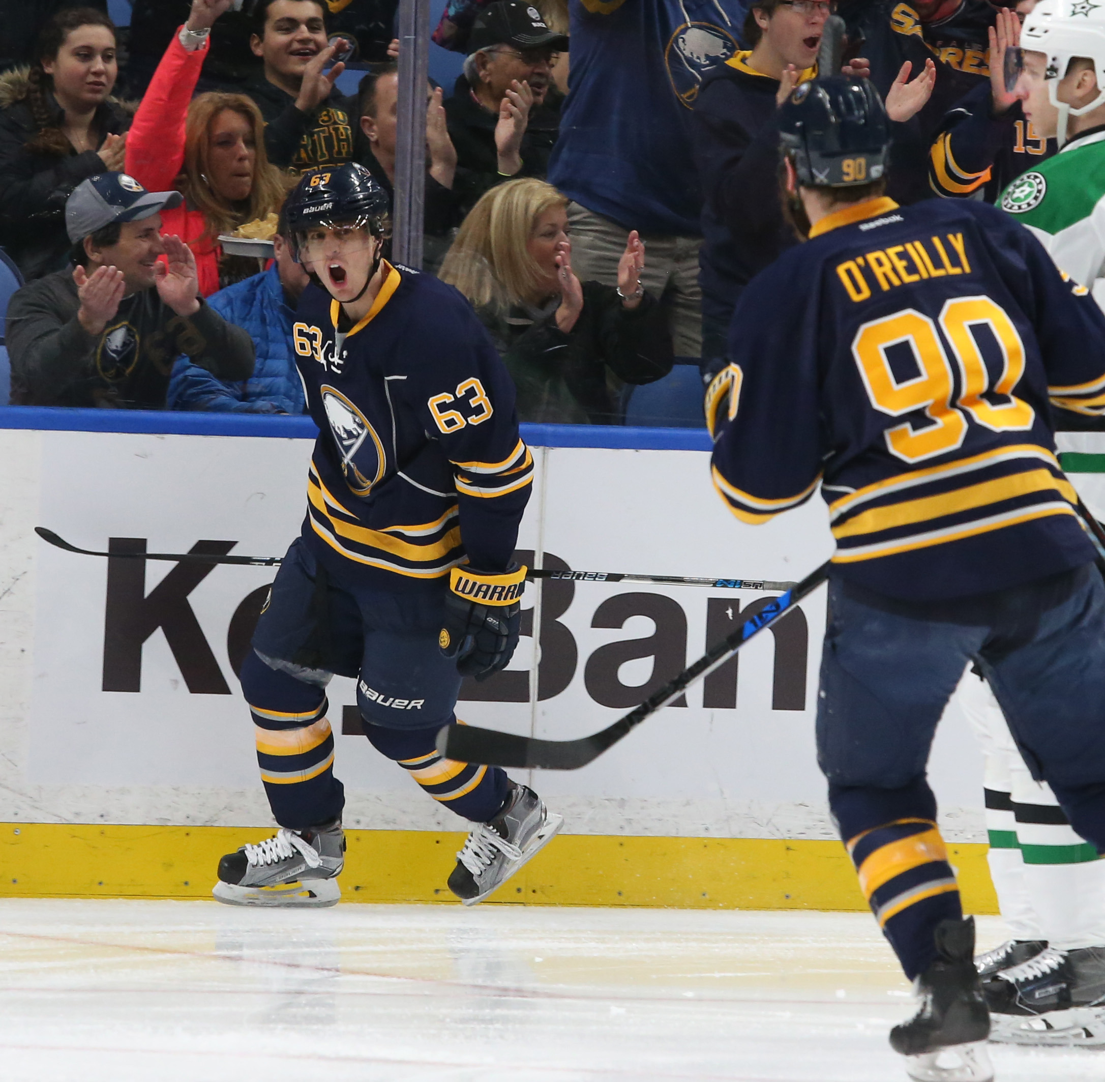 Tyler Ennis expects to be back in the lineup on Friday against Detroit. (James P. McCoy/Buffalo News)