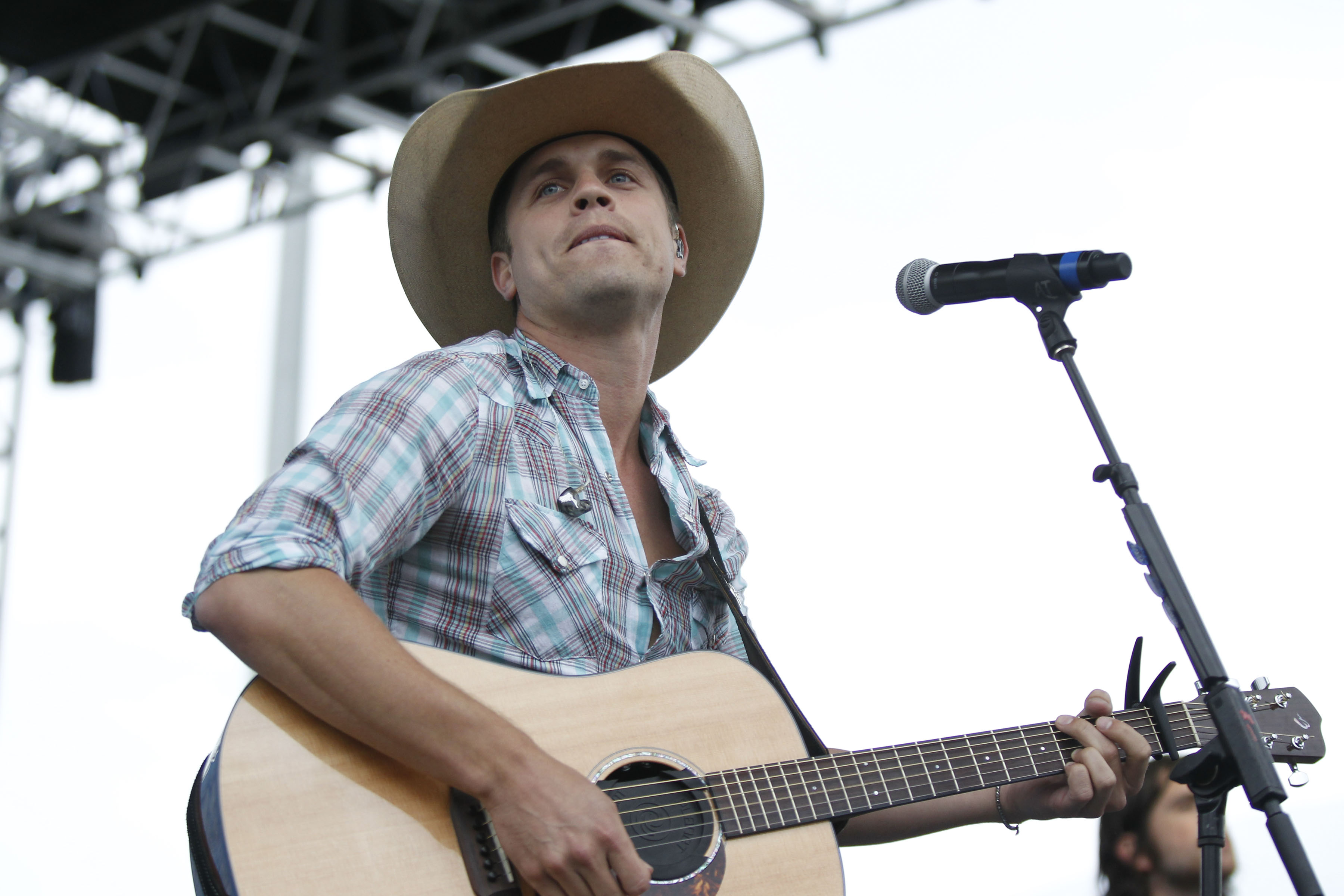 Dustin Lynch, who has performed at the WYRK Taste of Country concert, returns for the WYRK Transitowne Acoustic Concert. (Photo by Harry Scull Jr. / Buffalo News file photo)