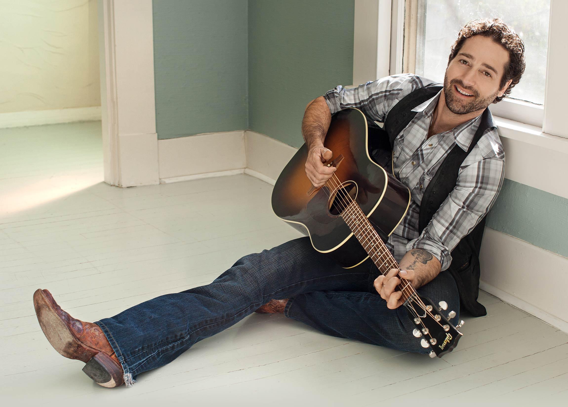 Country singer/songwriter Josh Thompson will play the Seneca Niagara Bear's Den on Jan. 28.