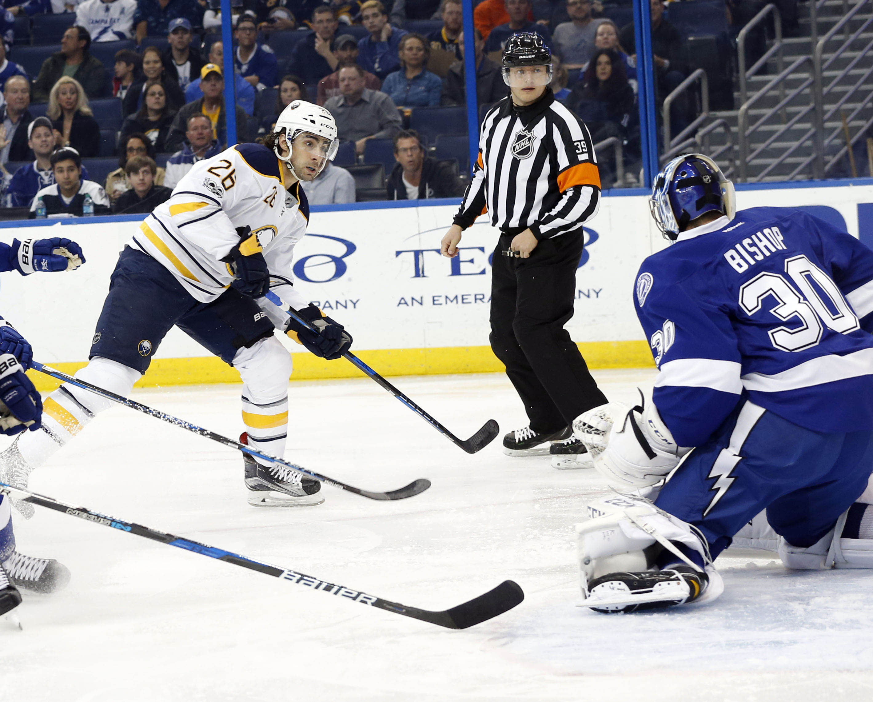 Matt Moulson beats Tampa goalie Ben Bishop for the game's first goal (USA Today Images).