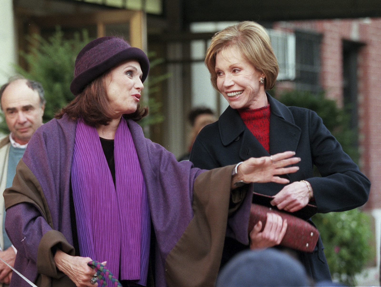 "Mary Tyler Moore and Valerie Harper film ""Mary & Rhoda"" on the streets of Manhattan in 1999. Moore died Wednesday at 80. (Sara Krulwich/The New York Times)"