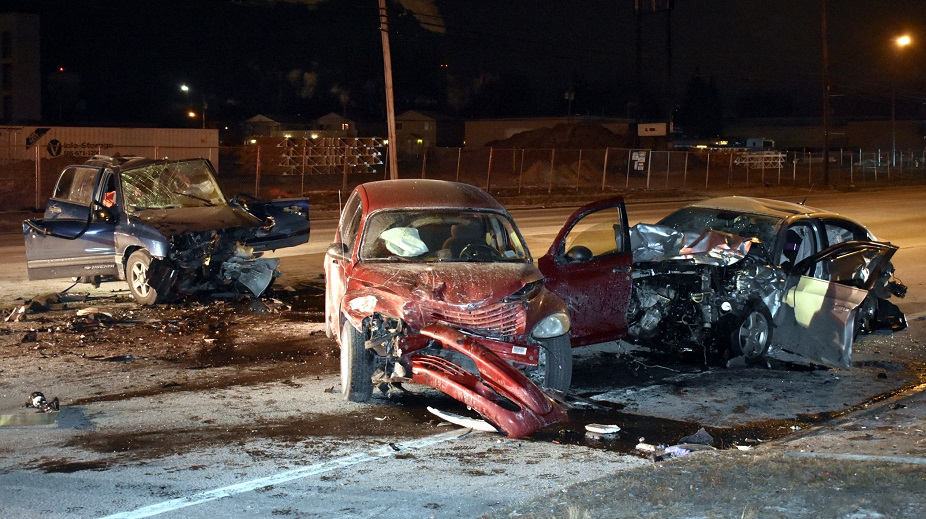 A man died after a three-car crash in Niagara Falls on Sunday night. (Larry Kensinger/Special to the News)