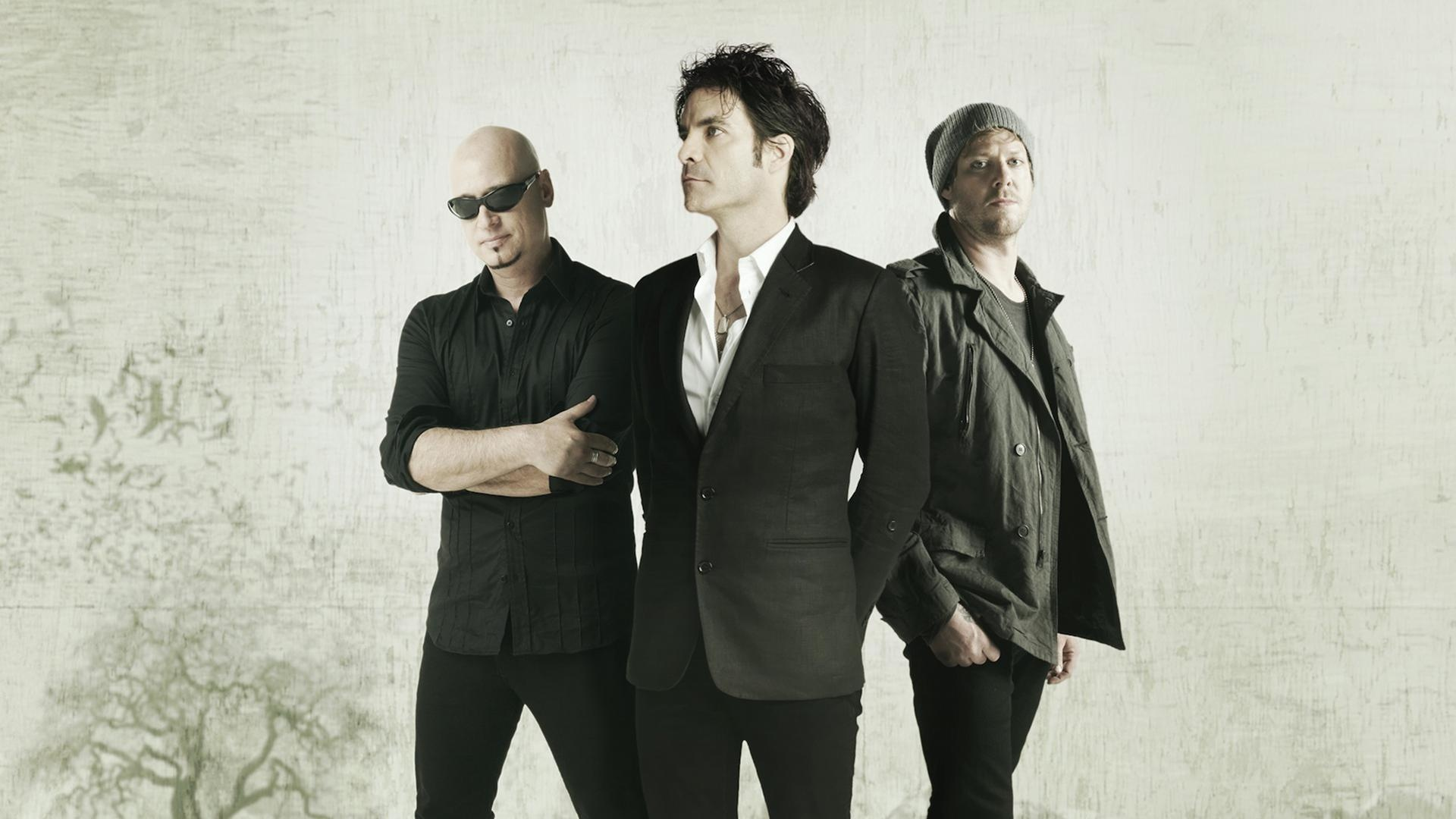 Train will perform at Darien Lake Performing Arts Center on June 20.