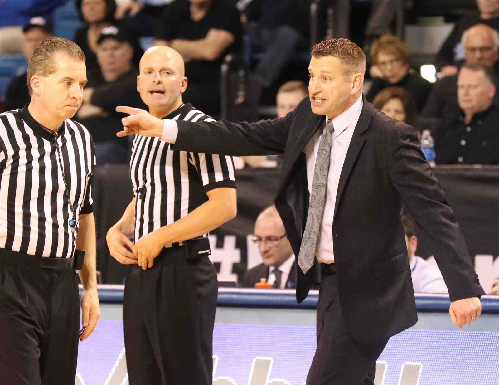 UB coach Nate Oats picks up a technical foul in the second half. (James P. McCoy/Buffalo News)