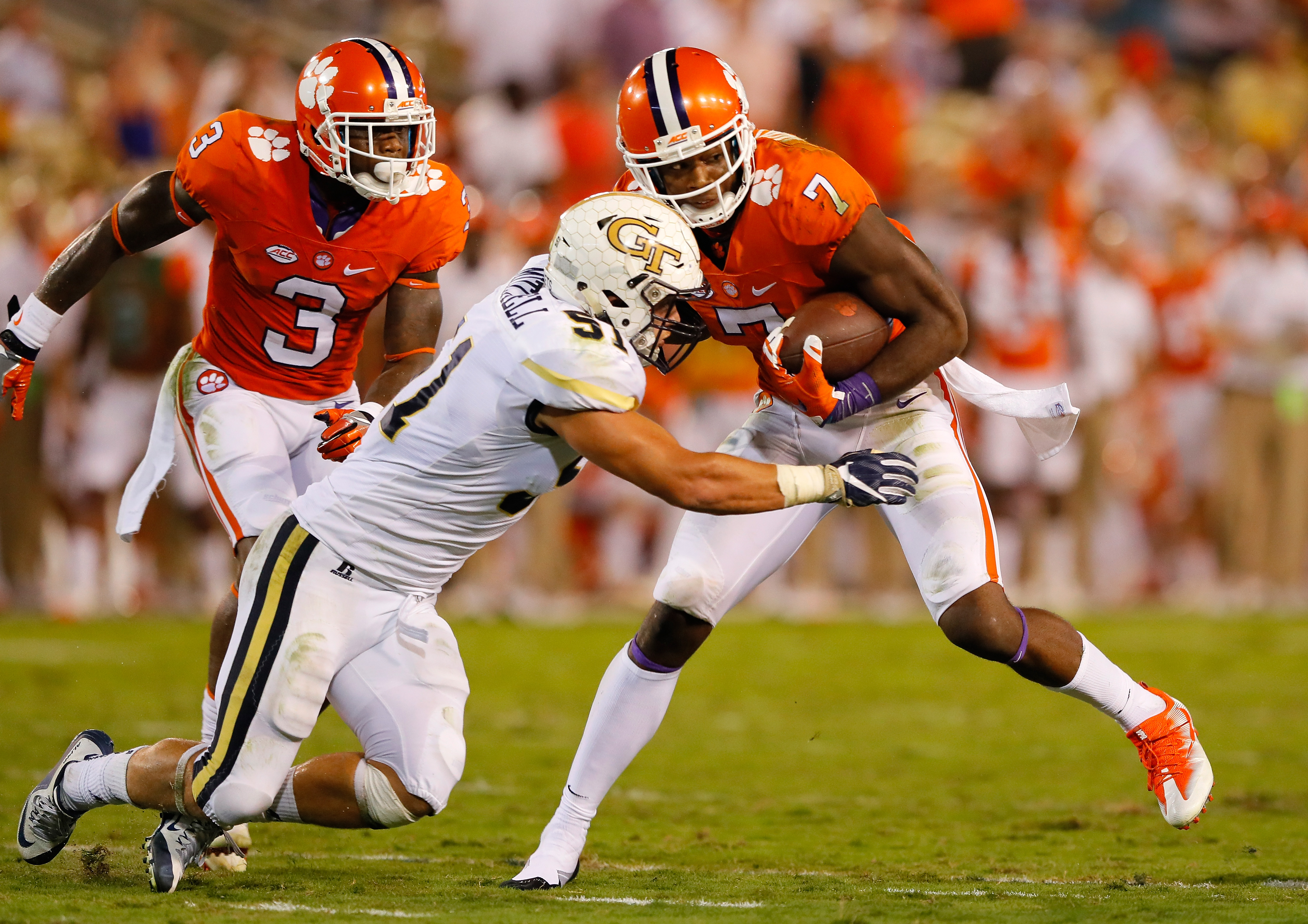 Clemson wide receiver Mike Williams (7) had 98 catches for 1,361 yards in 2016. (Getty Images)