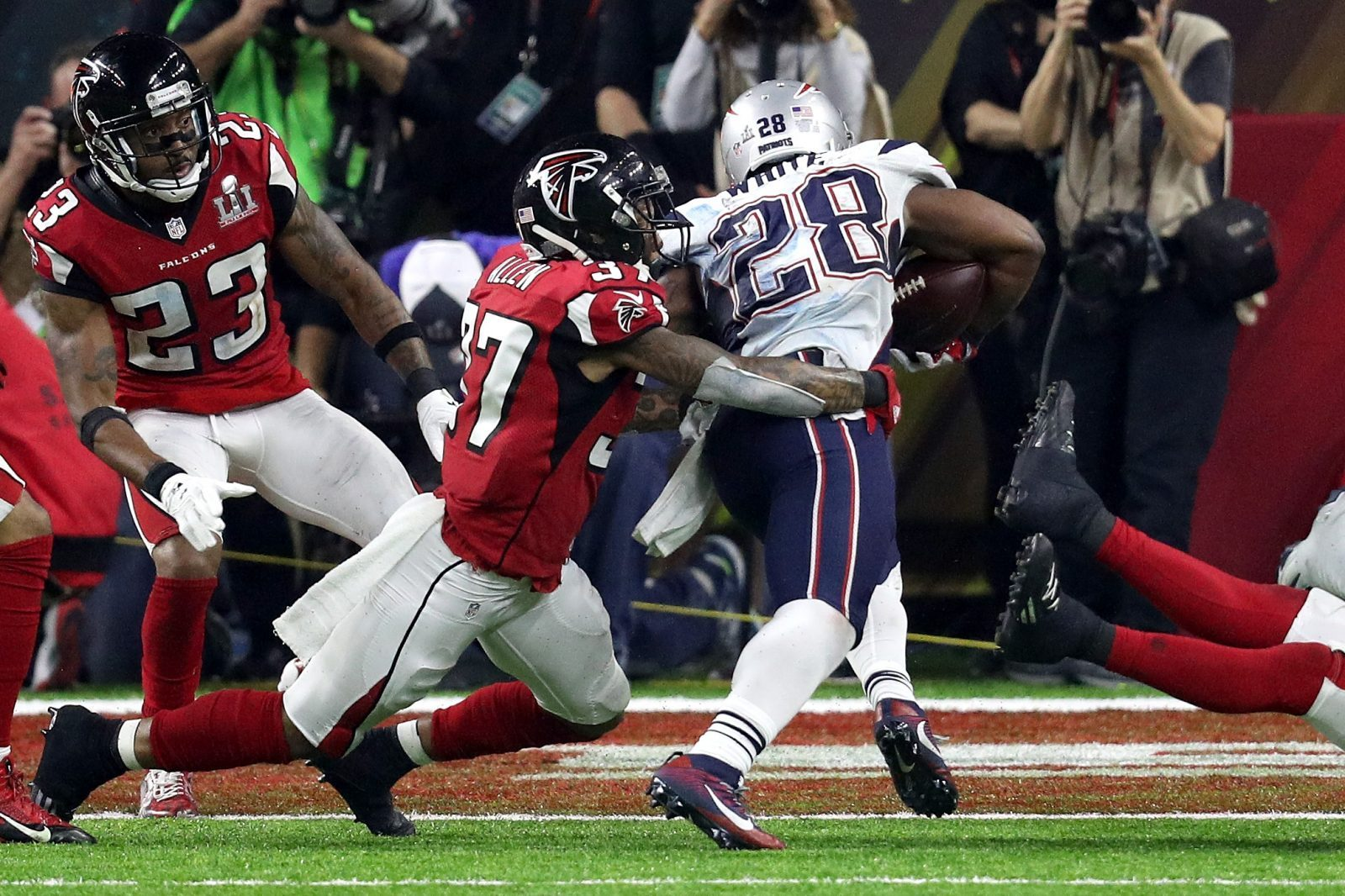 Patriots running back James White crosses the goal line for the game-winning touchdown in Super Bowl LI. (Getty Images)