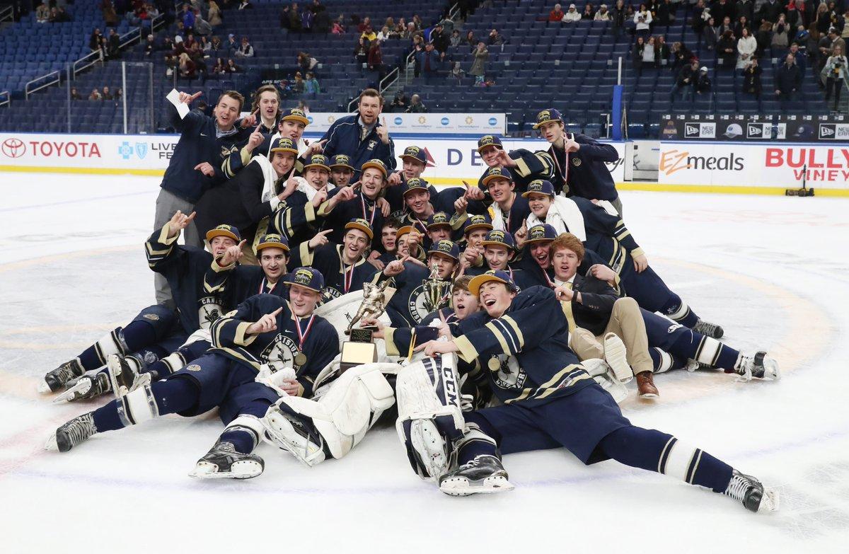 Canisius beat St. Joe's to win the club hockey large school title, 2-1. (James P. McCoy/Buffalo News)