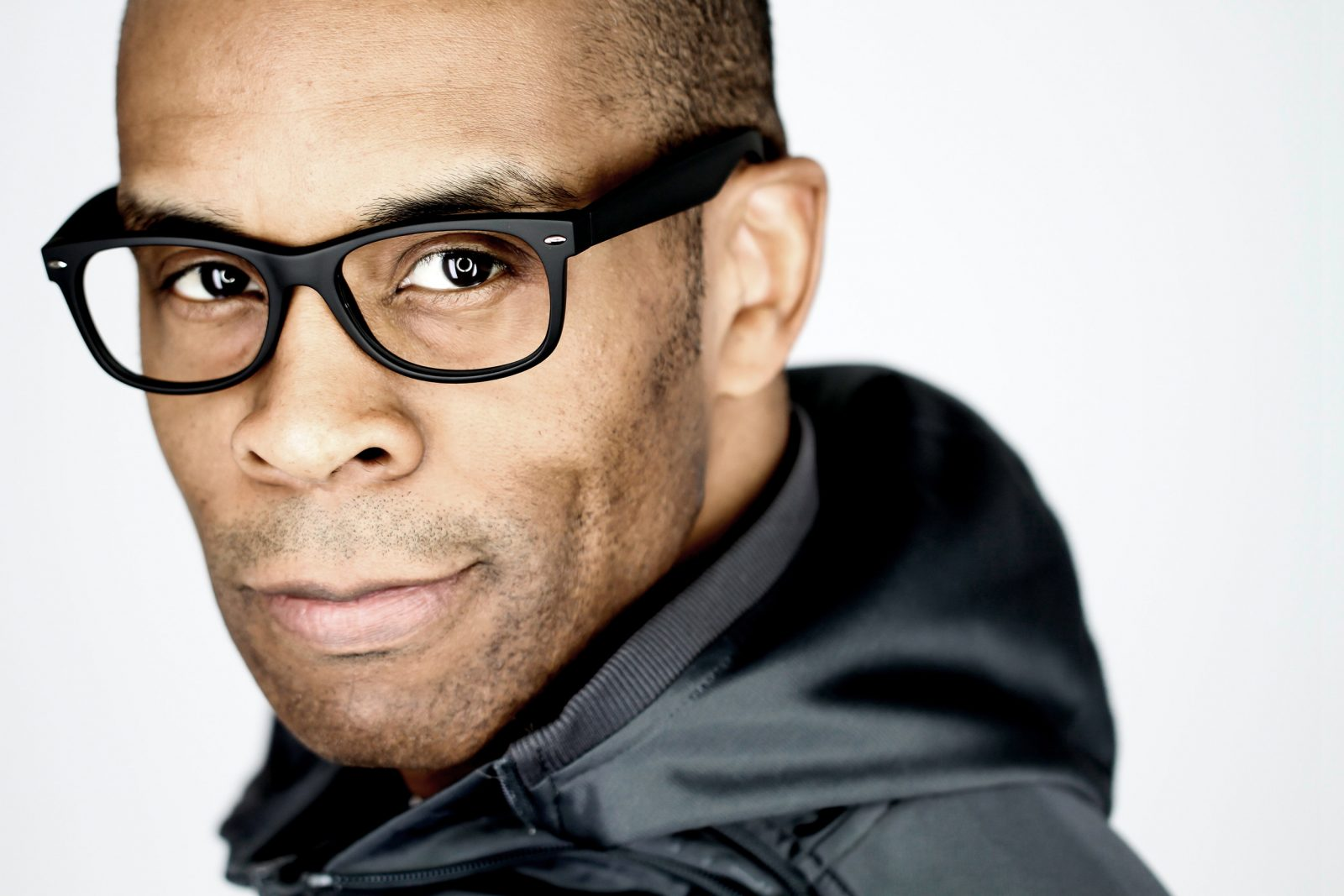 Denzal Sinclaire performs in 'The Unforgettable Nat 'King' Cole.'