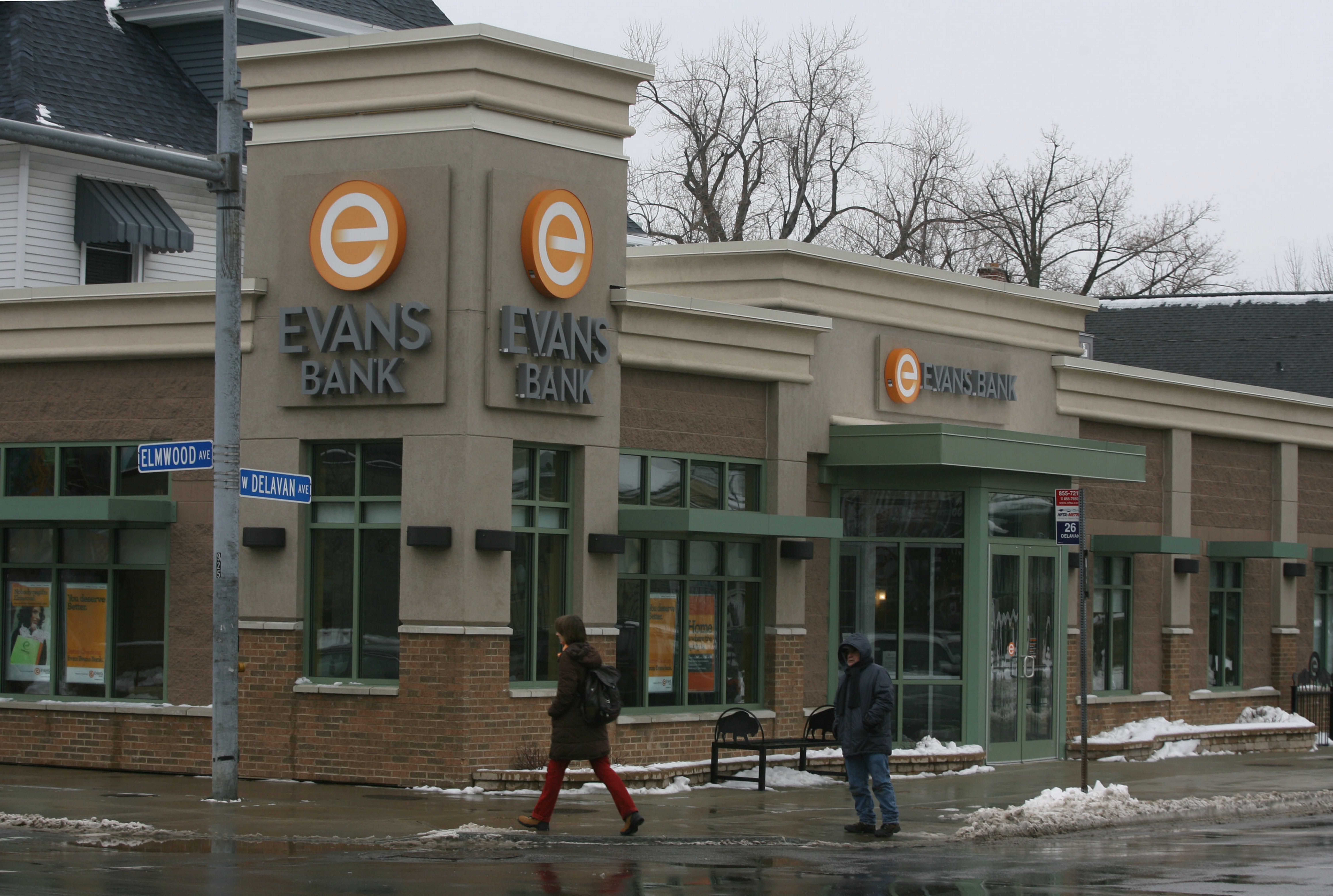 {FOR BUSINESS/STORY}  Evans Bank, at the corner of Elmwood and W. Delevan Sts. in Buffalo, Thursday December 29th, 2009.  {Photo by Charles Lewis/Buffalo News}